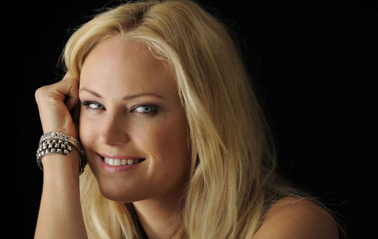 Malin Akerman Photoshoot by Chris Pizzello - Portraits Year 2012-1