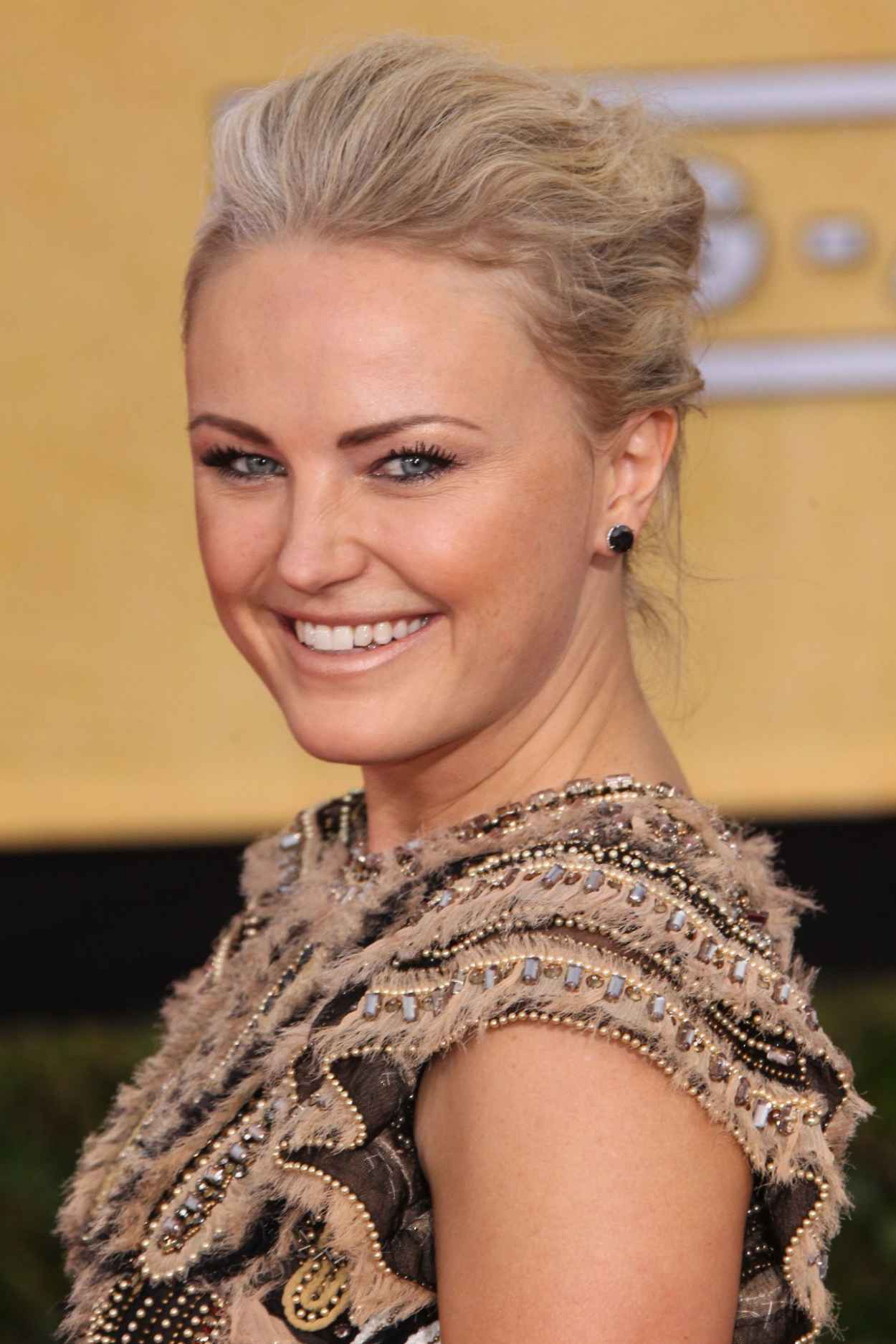 Malin Akerman Wears Naeem Khan at 2015 SAG Awards-1