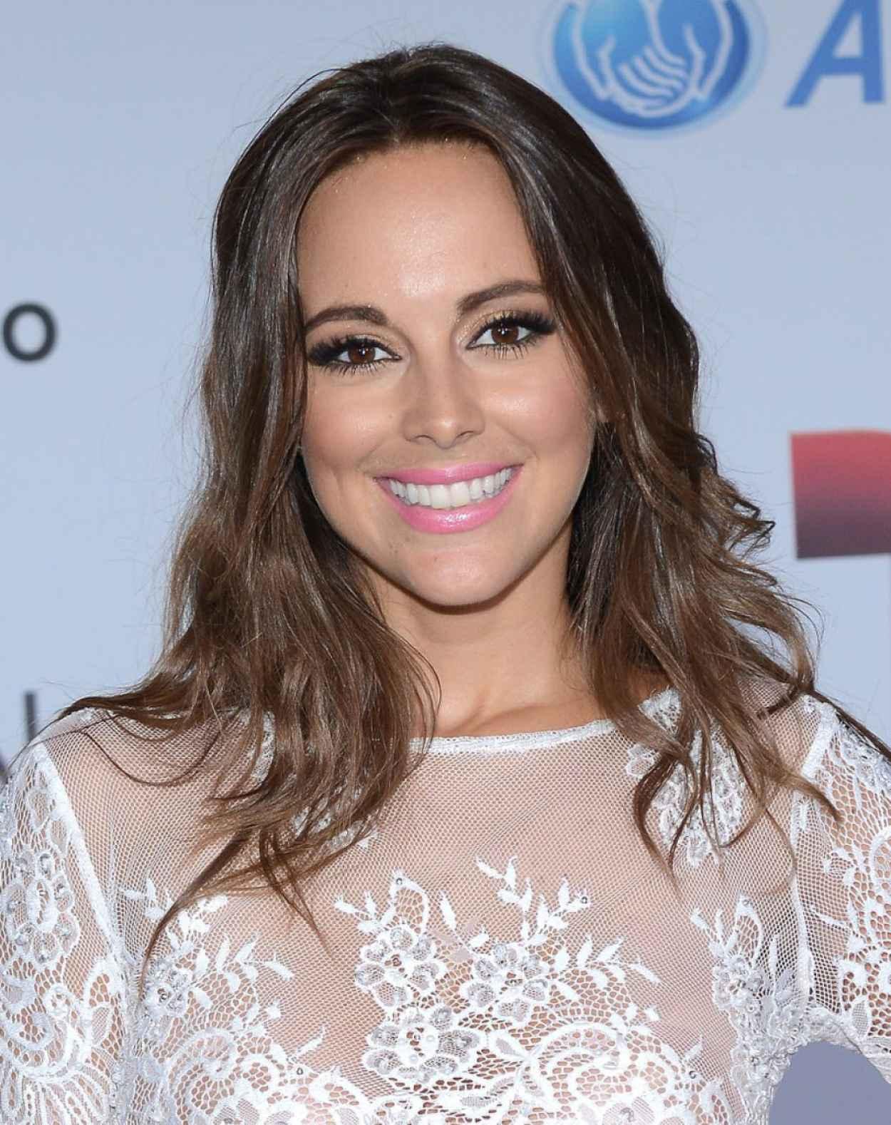 <b>Maria Elisa</b> Camargo - 2015 Telemundo-s Premios Tu Mundo Awards-1 - maria-elisa-camargo-2014-telemundo-s-premios-tu-mundo-awards_4