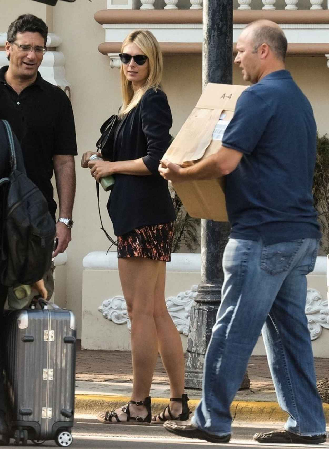 Maria Sharapova - Arrives for Avon Photoshoot in Miami, March 2015-1