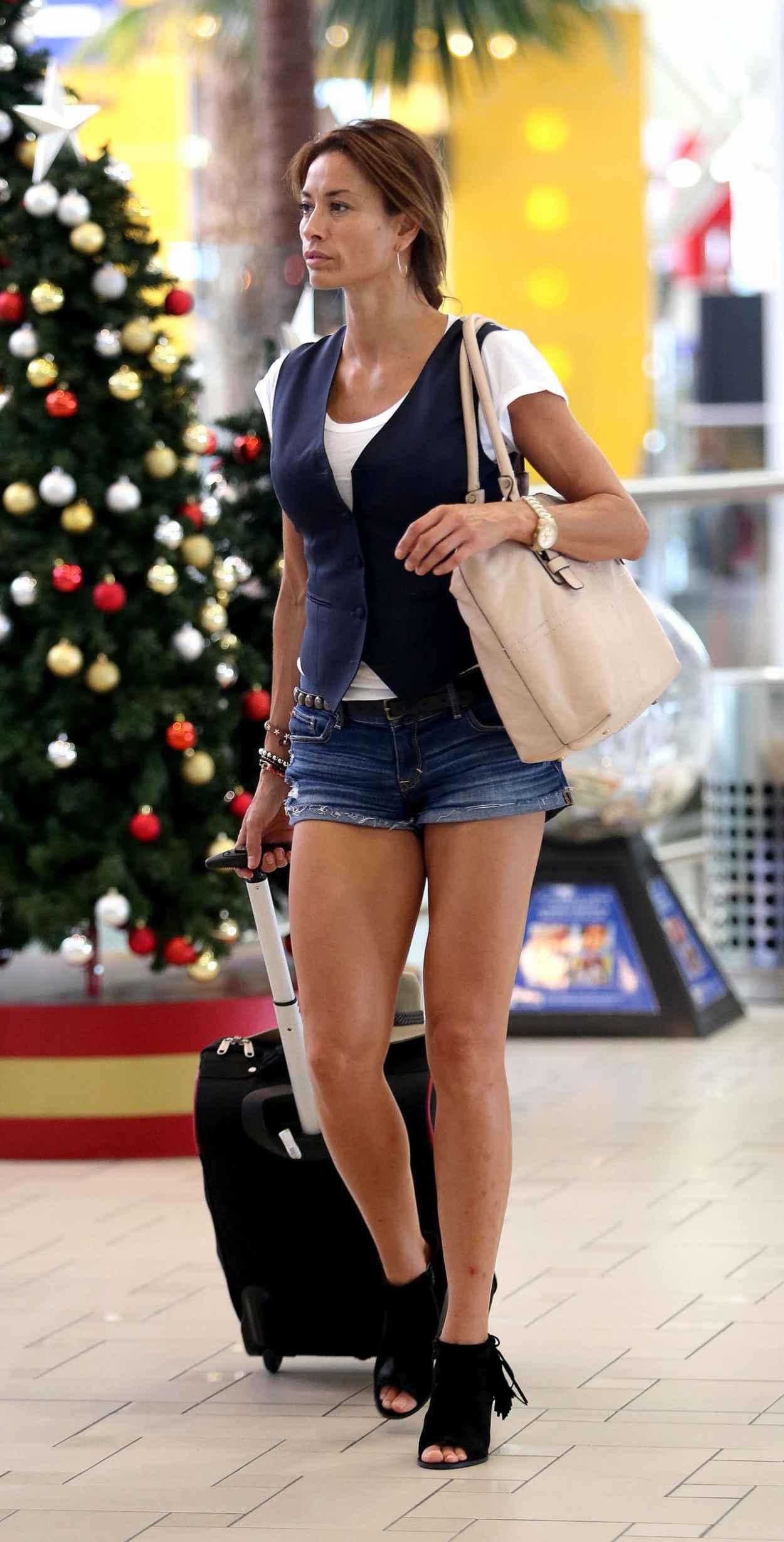 Melanie Sykes Leggy in Jeans Shorts – at Brisbane Airport ...