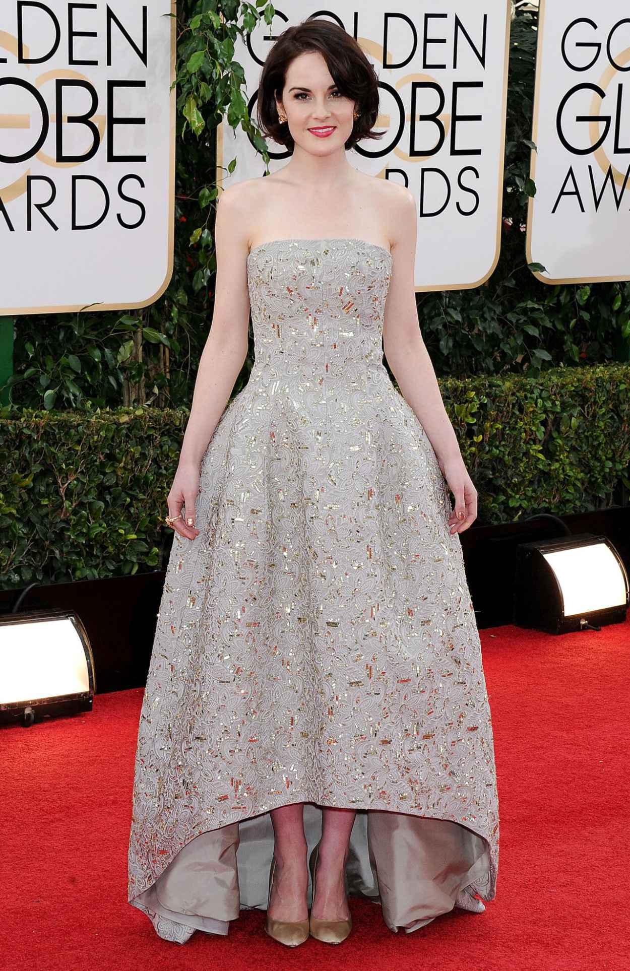 Michelle Dockery Wears Oscar de la Renta at 2015 Golden Globe Awards Red Carpet-1