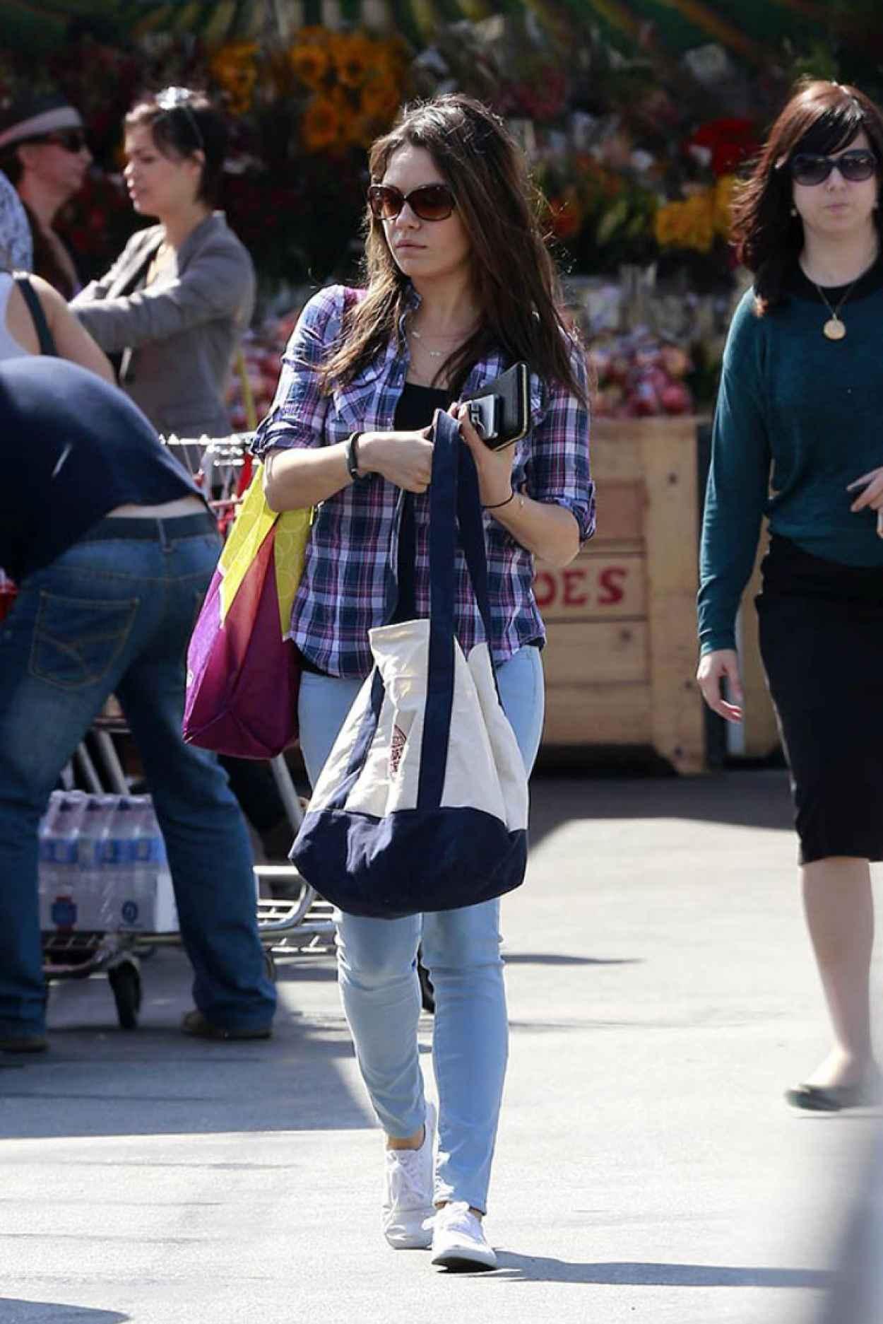 Mila Kunis - Out in LA, March 2015-1