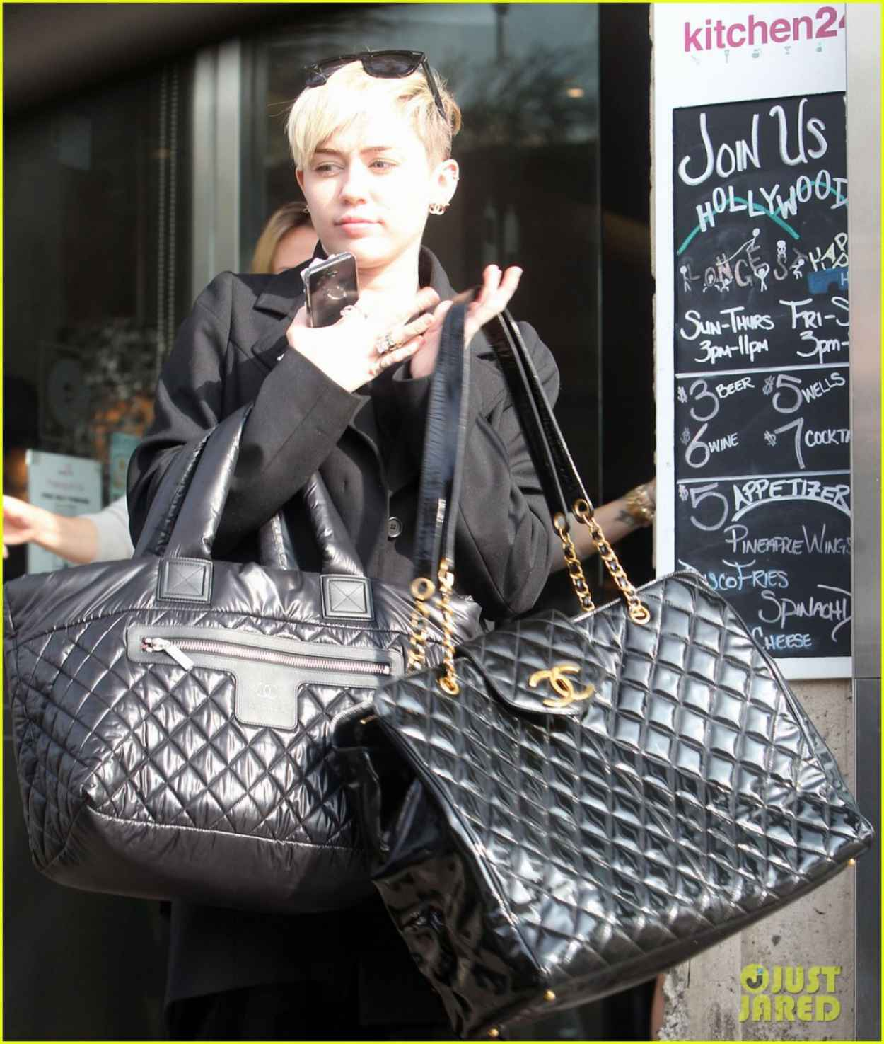 Miley Cyrus Street Style - Out for Lunch in Los Angeles - Januaru 2015-1