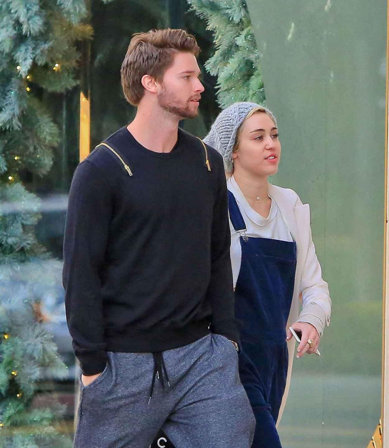 Miley Cyrus With New Boyfriend Patrick Schwarzenegger ...