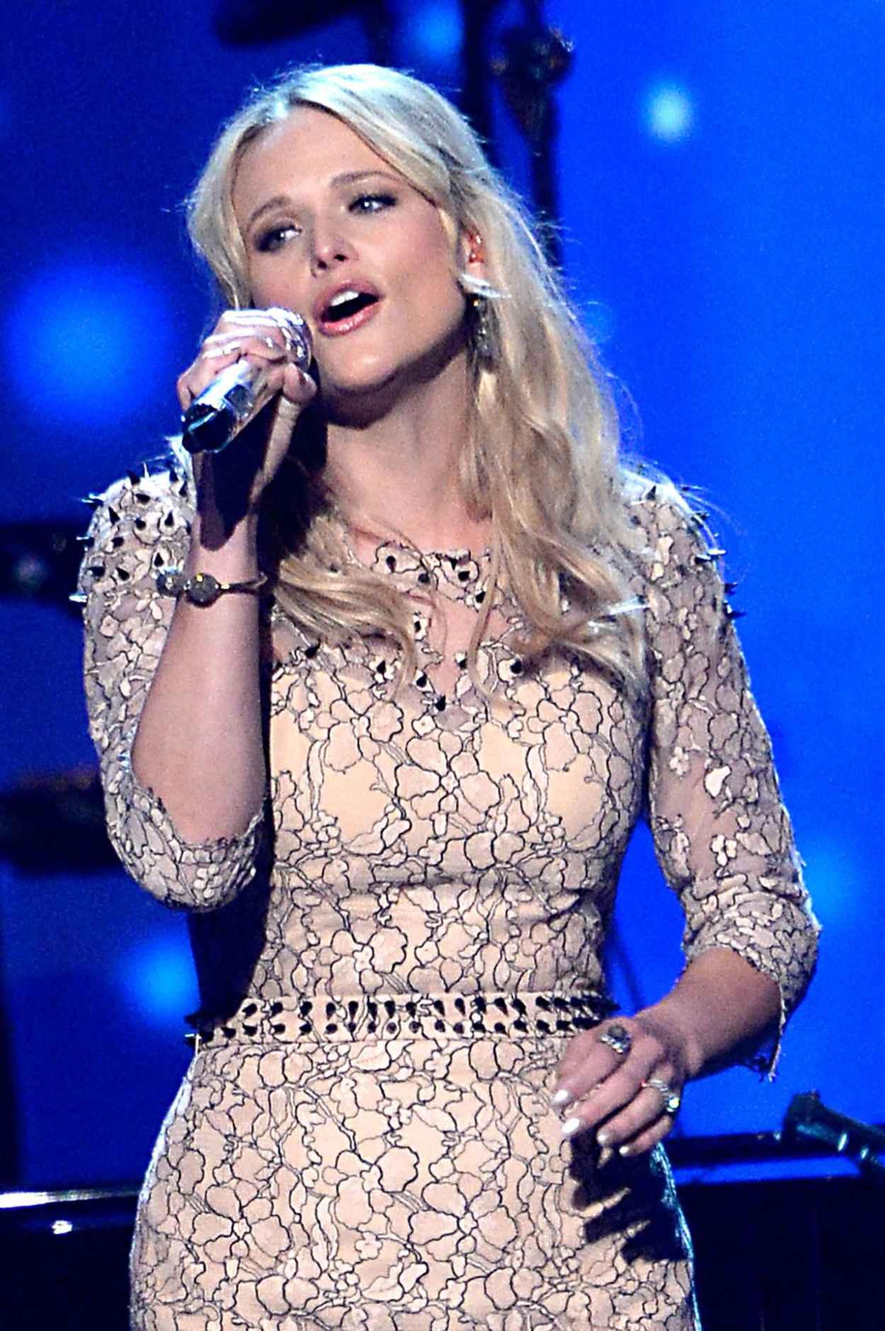 Miranda Lambert - 2015 MusiCares Person of the Year Gala in Los Angeles-1