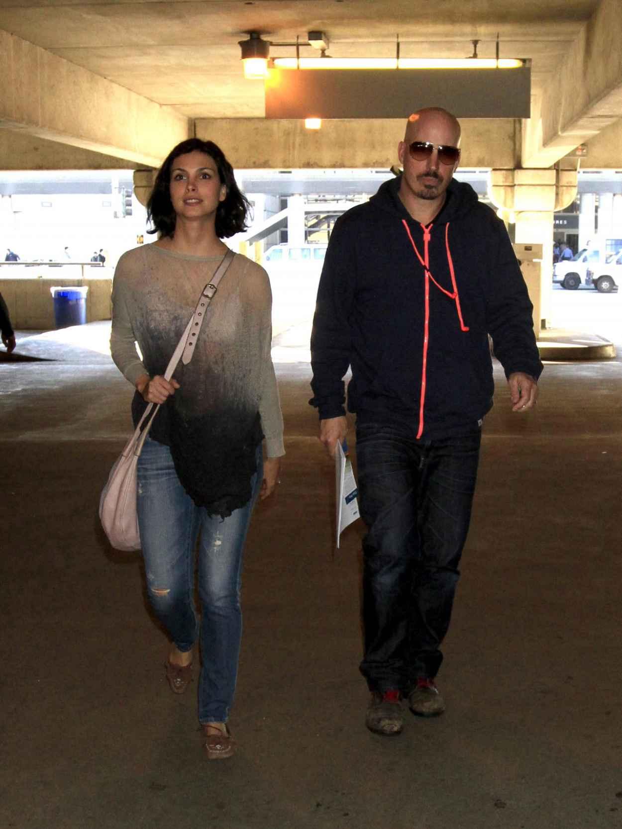 Morena Baccarin at LAX Airport, January 2015-1