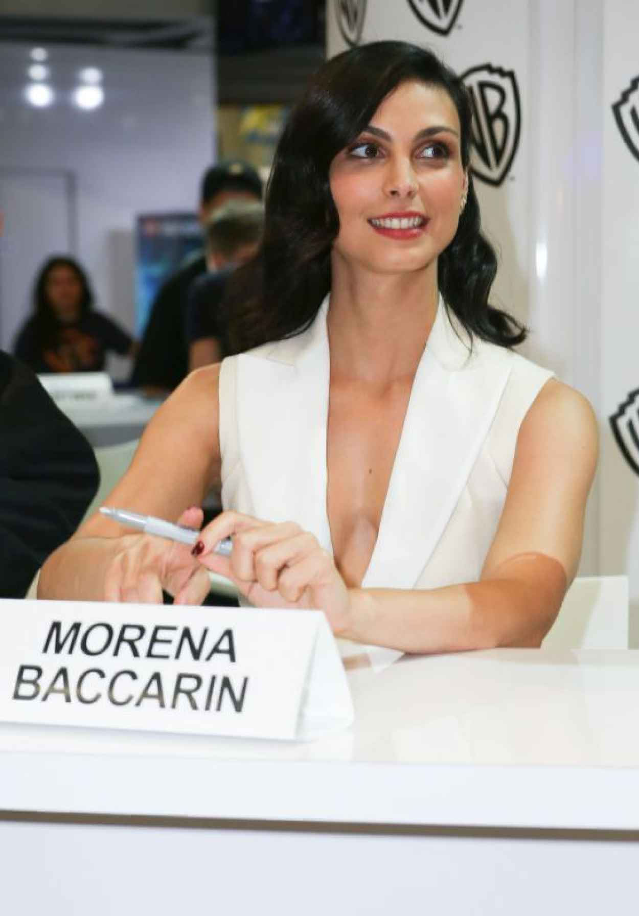 Morena Baccarin - WB Booth at Comic Con in San Diego, July 2015-1