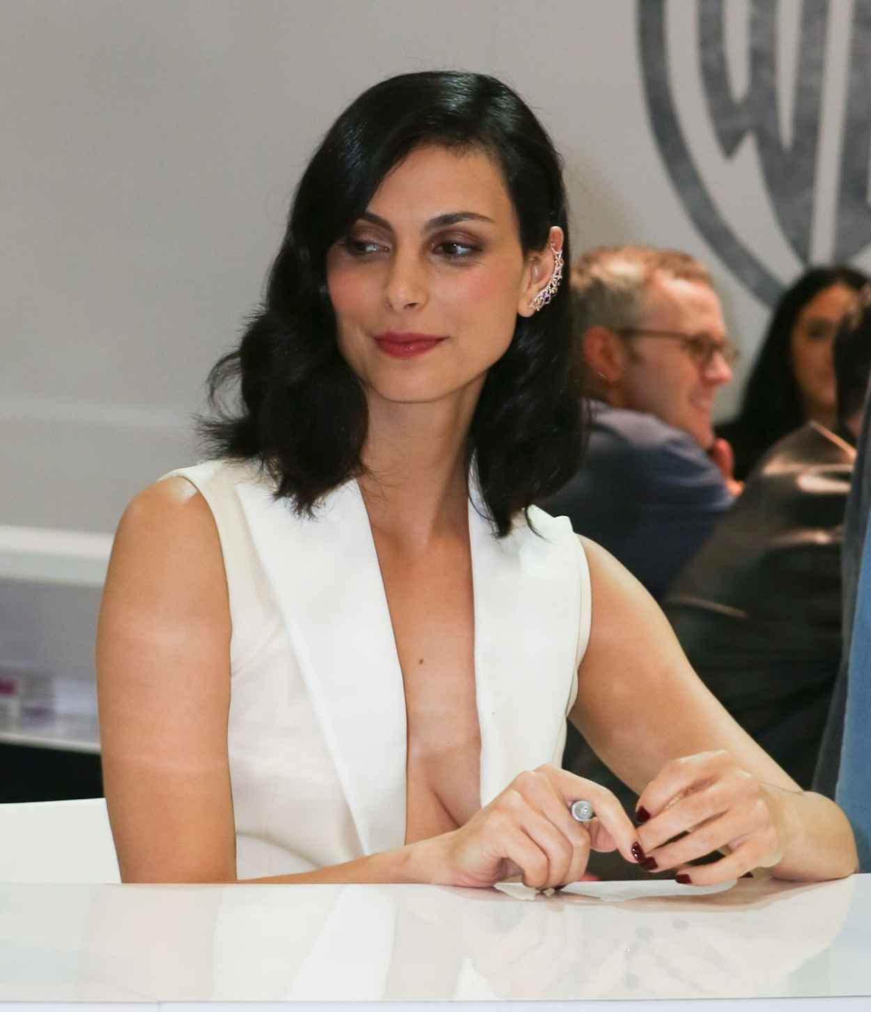 Morena Baccarin - WB Booth at Comic Con in San Diego, July 2015-5