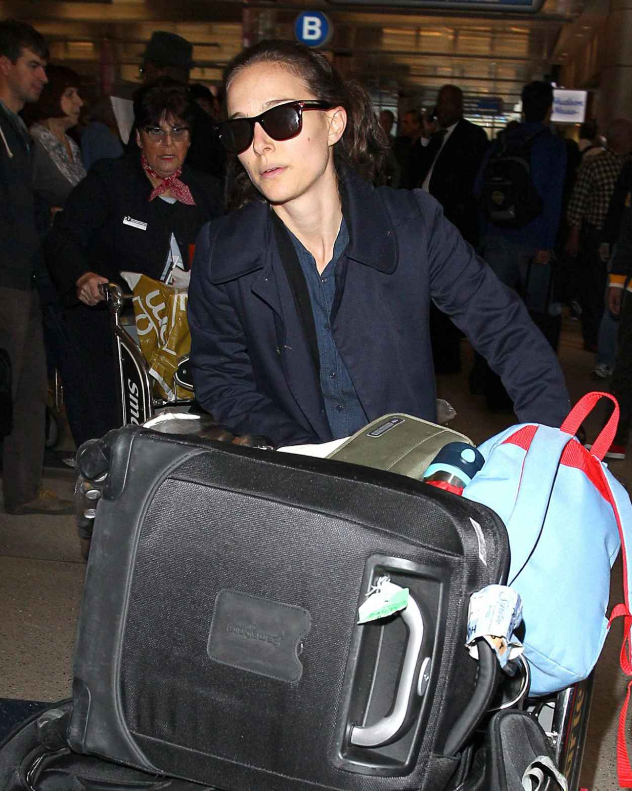Natalie Portman at LAX Airport - November 2015-3