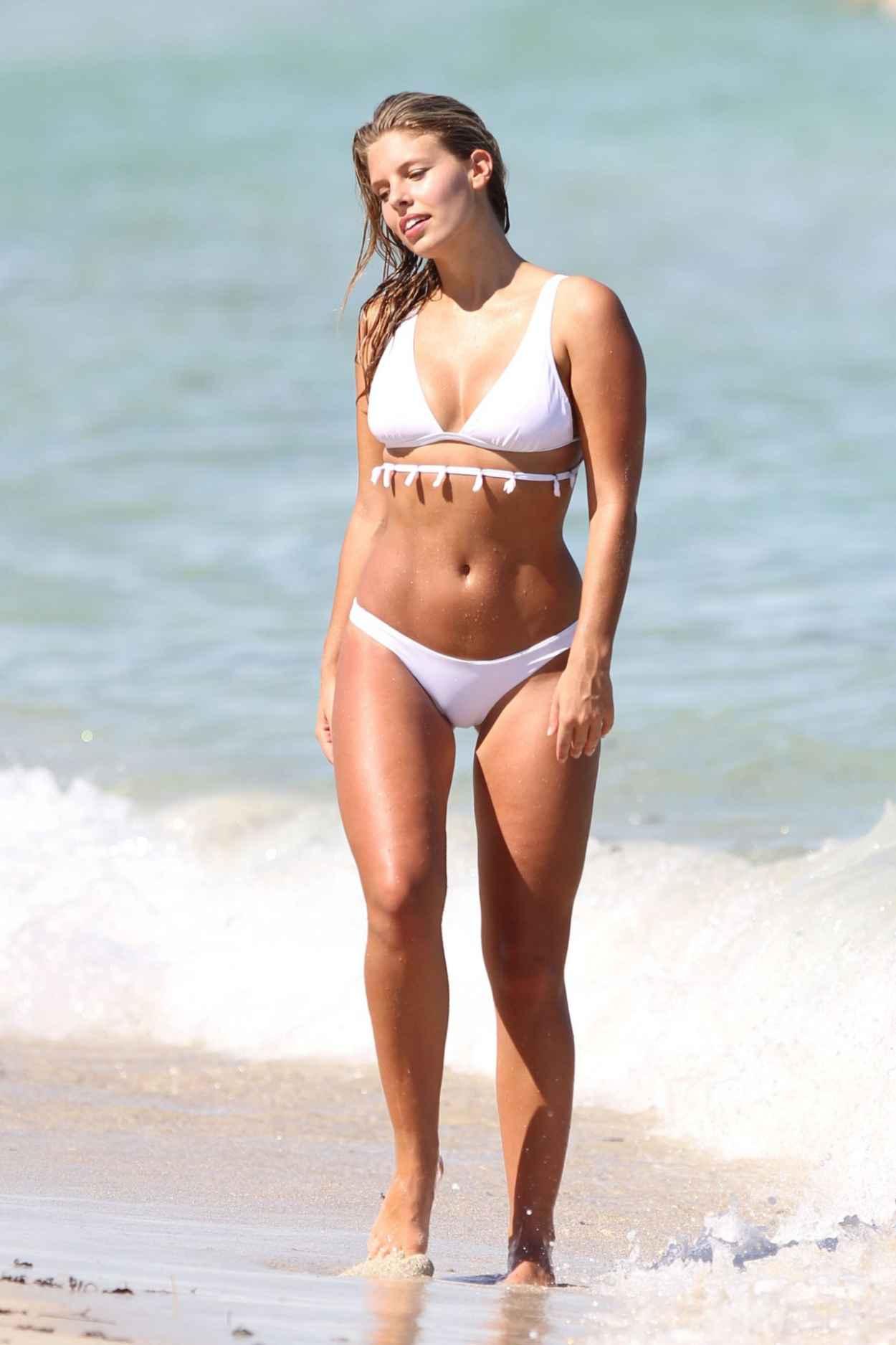 Natasha Oakley in Bikini in Miami, September 2015-3