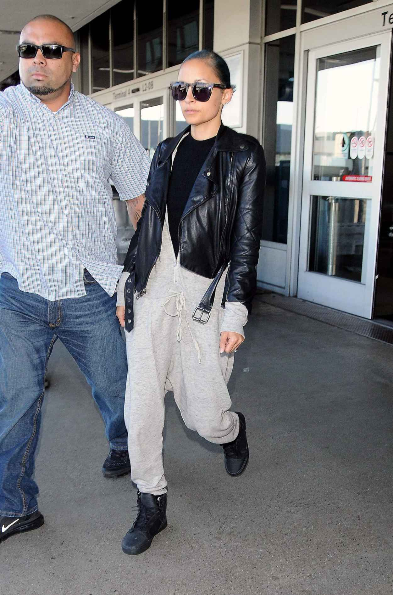 Nicole Richie Style - at LAX Airport in Los Angeles - September 2015-1