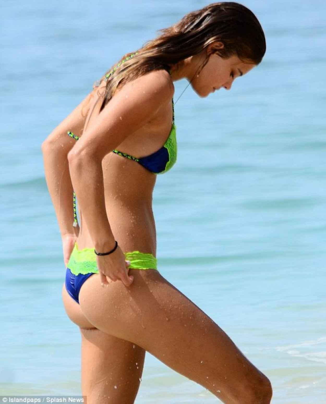 Nina Agdal Bikini Candids - Barbados - November 2015-1