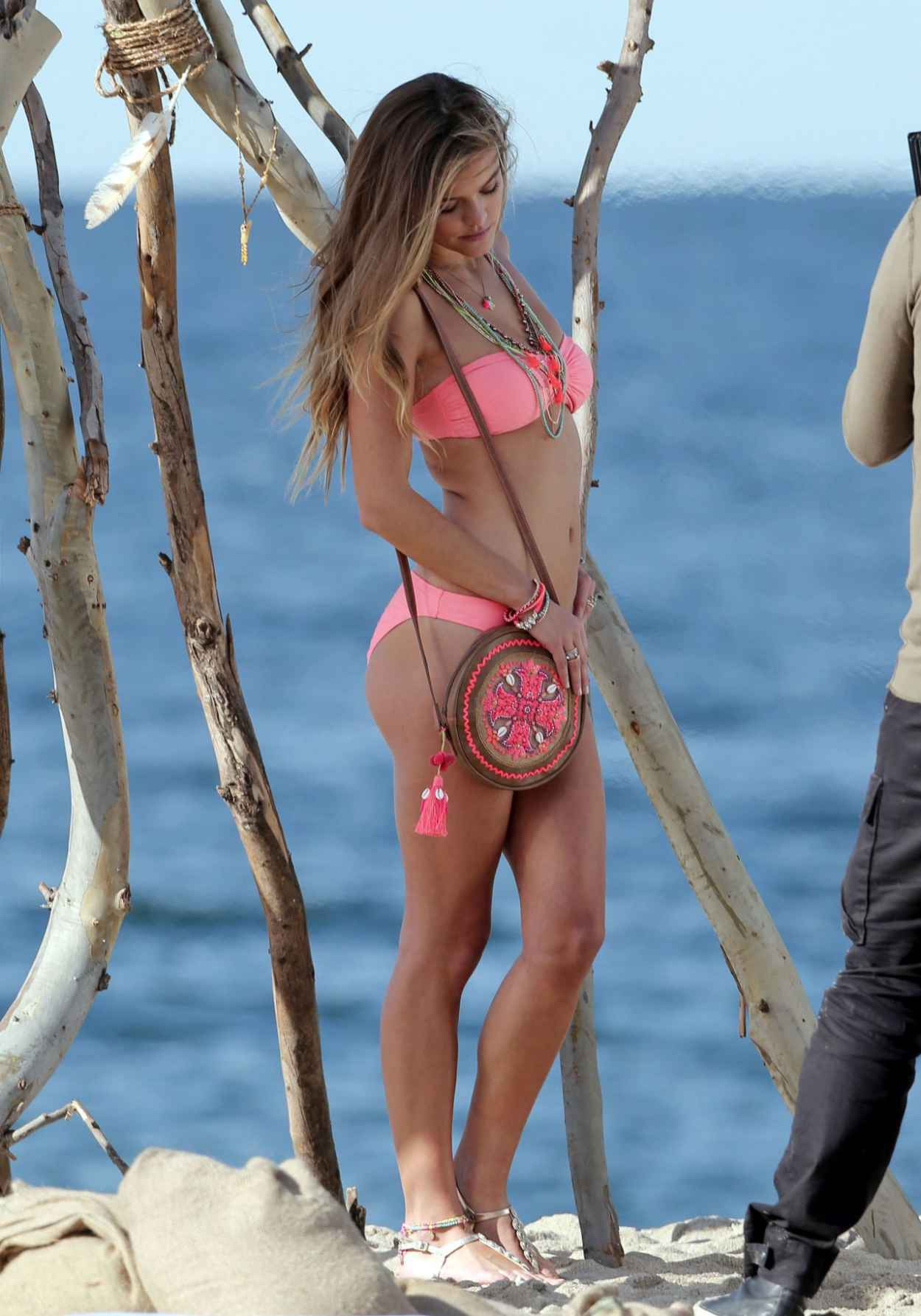Nina Agdal in a Bikini - Candids of Accessorize Photoshoot in Los Angeles - November 2015-1