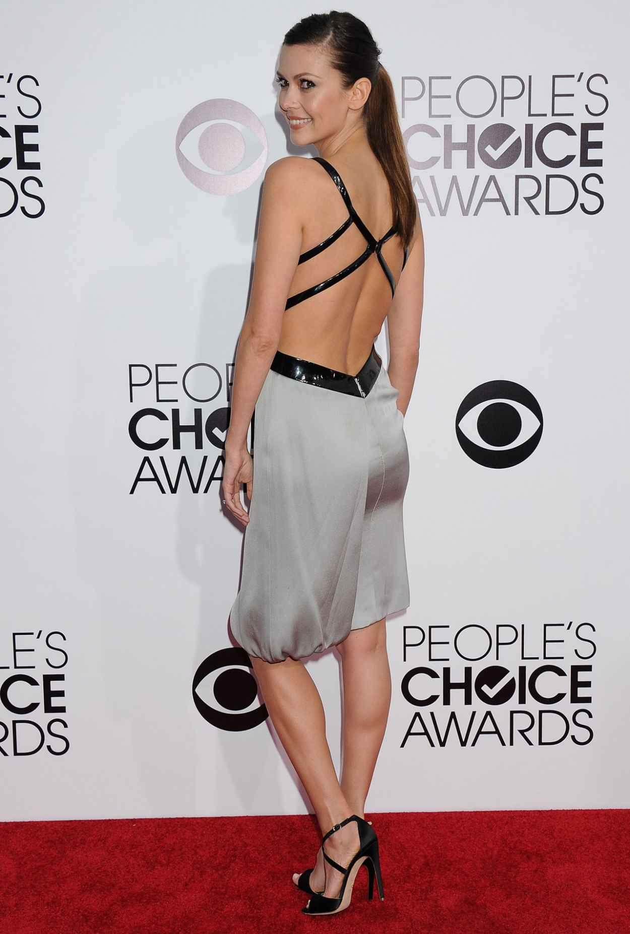 Olga Fonda In Giorgio Armani - 2015 People-s Choice Awards-1