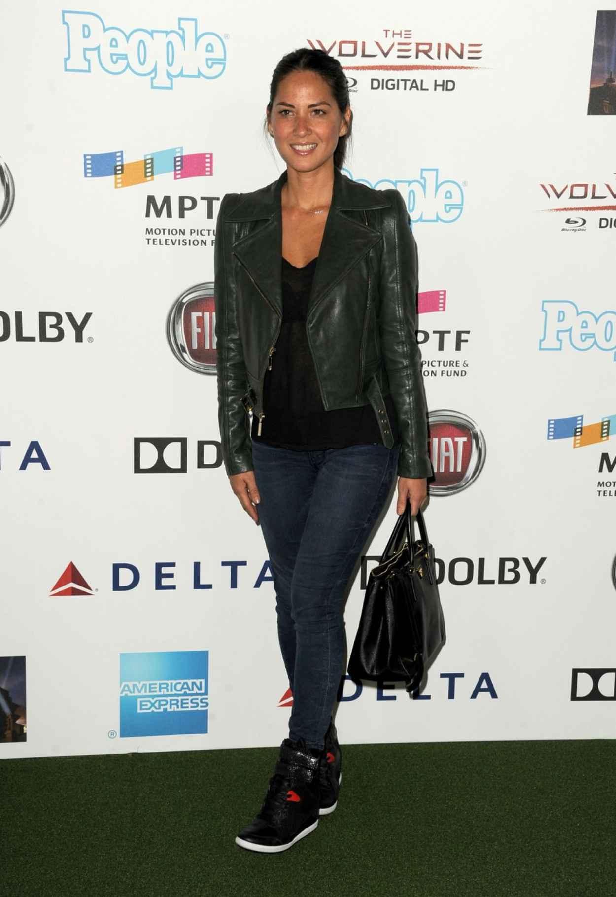 Olivia Munn on Red Carpet-1