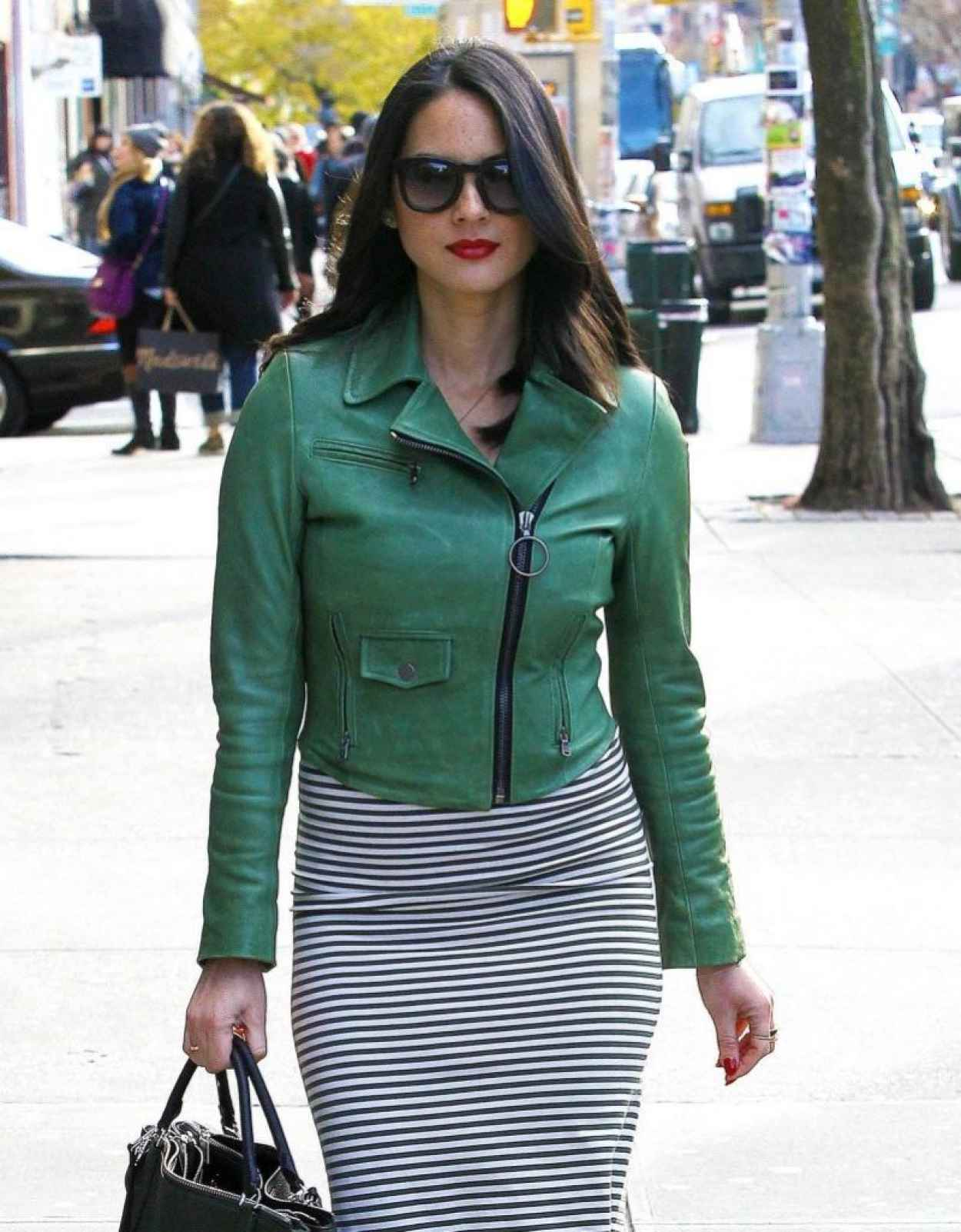 Olivia Munn Street Style - Out in New York City - November 2015-1