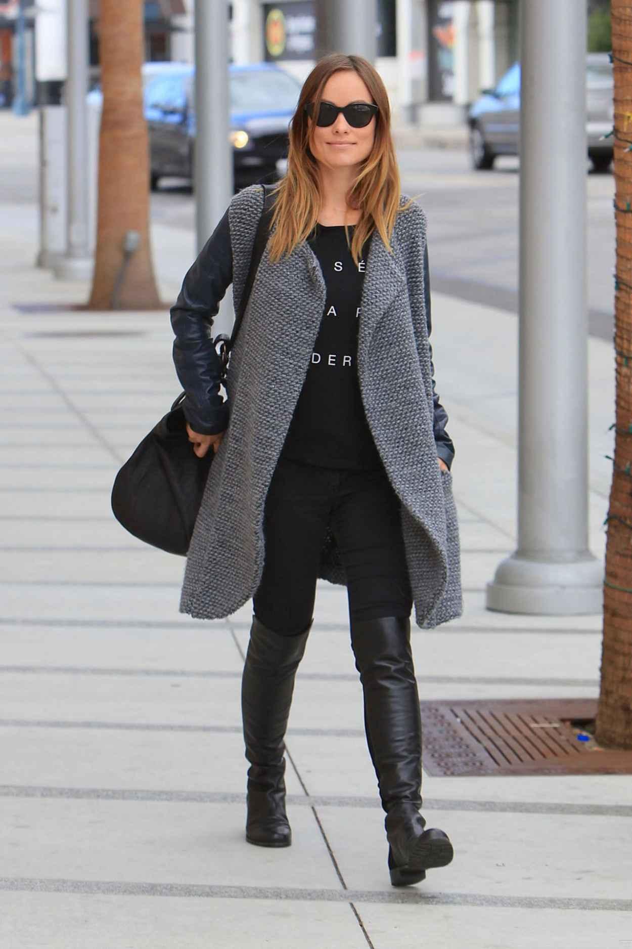 Olivia Wilde Street Style - Walking in Beverly Hills-1
