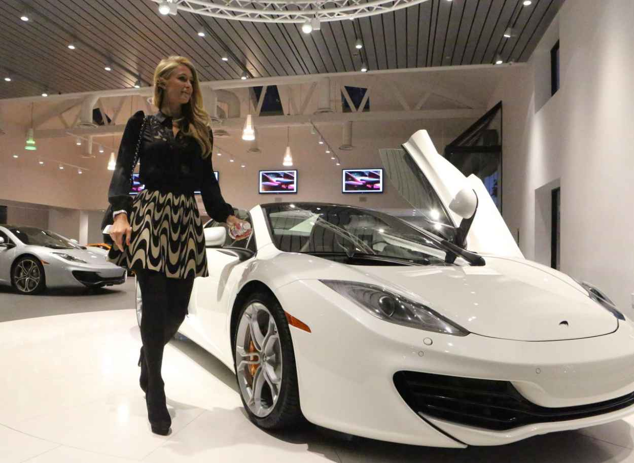 Paris Hilton Goes Shopping For A New MacLaren - January 2015-1