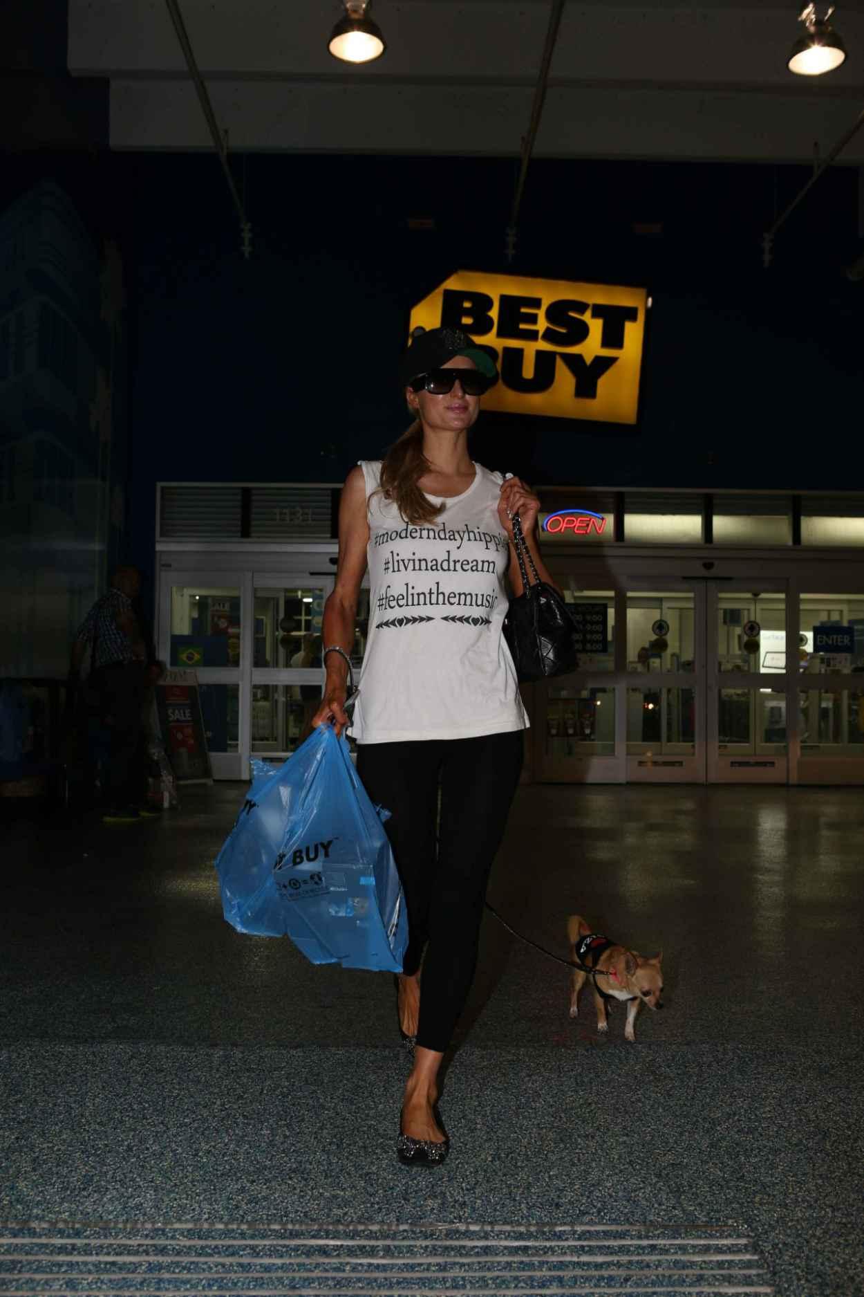 Paris Hilton Shopping at Best Buy - Miami Beach, February 2015-1