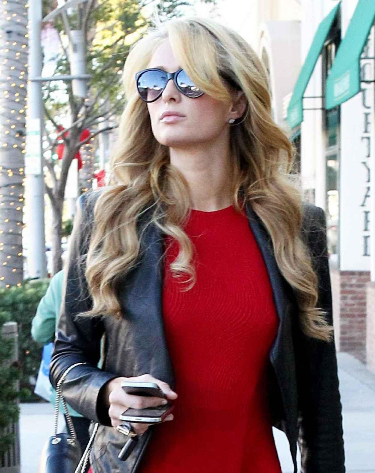 Paris Hilton Street Style - Beverly Hills December 23, 2015-1