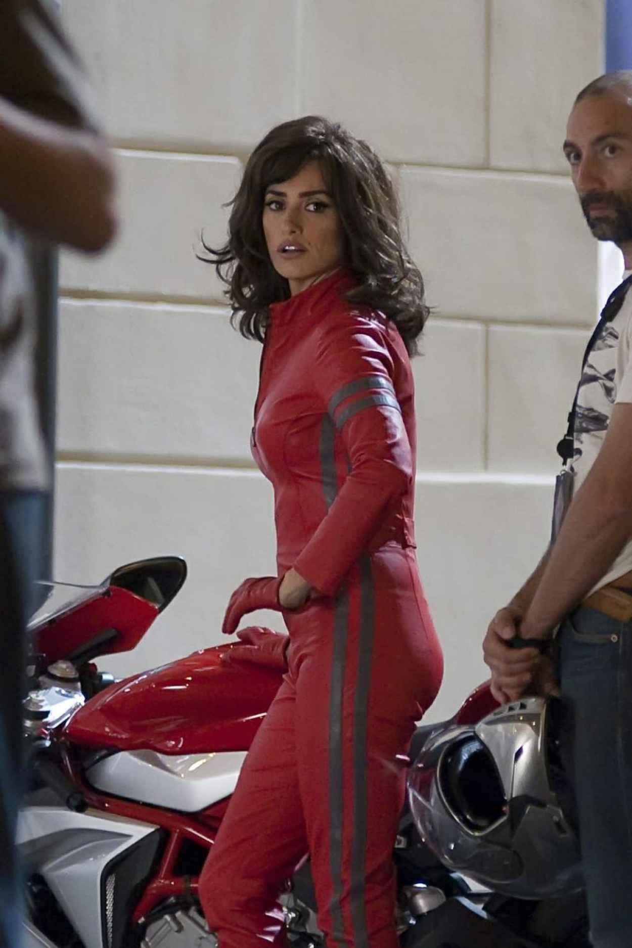 Penelope Cruz - Filming scenes for Zoolander 2 in Rome, June 2015-4