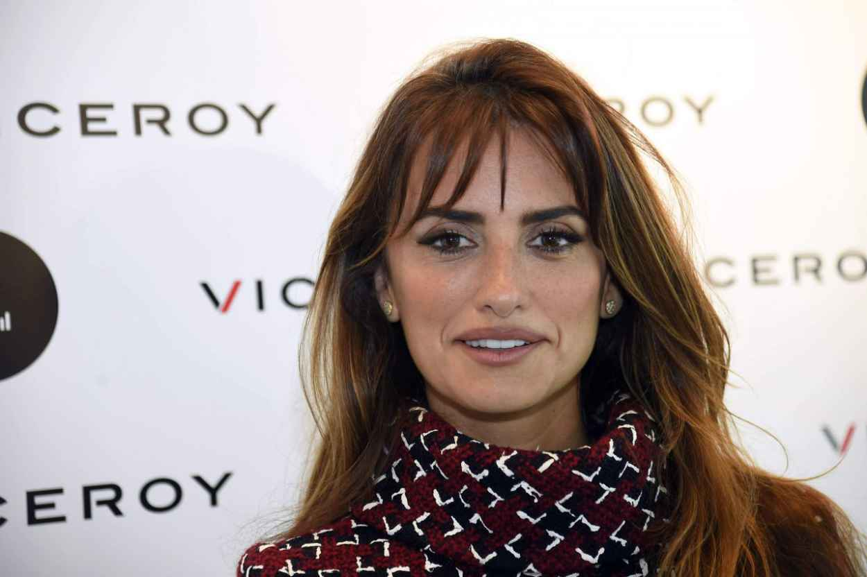 Penelope Cruz - Unoentrecienmil Presentation for Viceroy in Madrid, October 2015-5