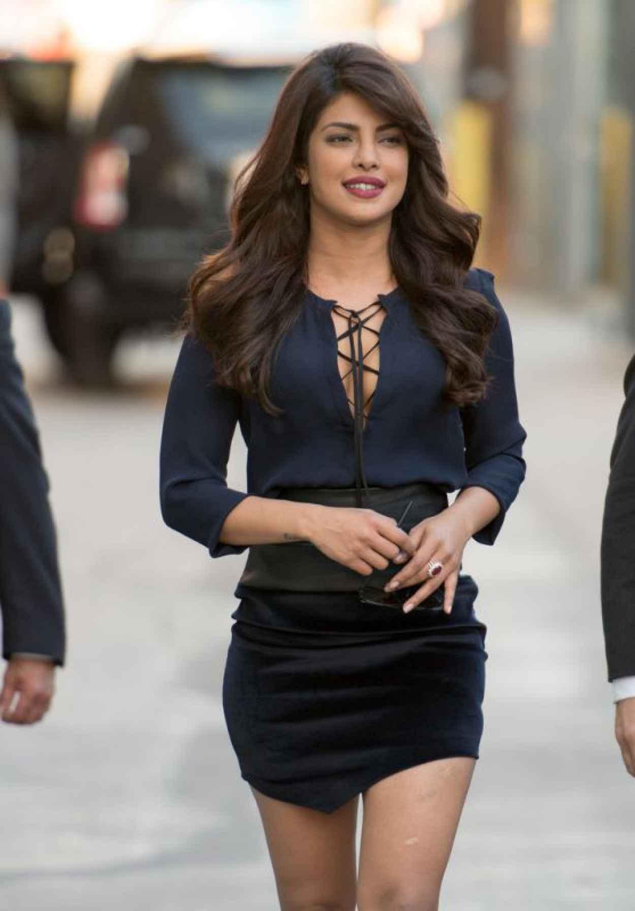 Priyanka Chopra - at Jimmy Kimmel Live in Hollywood , September 2015-1