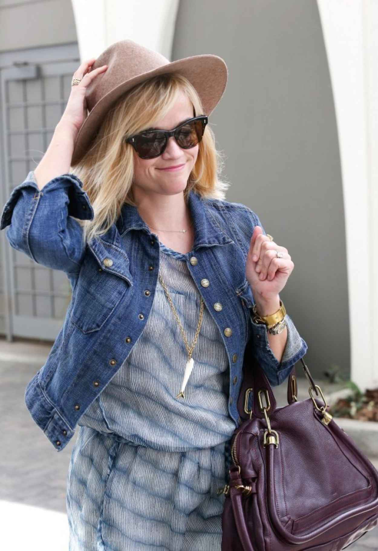 Reese Witherspoon Casual Style - Out in LA - March 2015-1