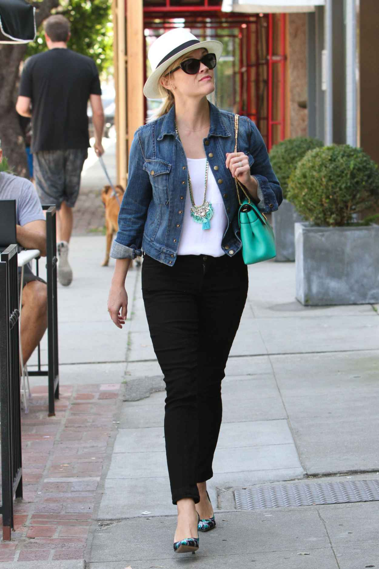 Reese Witherspoon Casual Style - Shopping at Melrose Place - April 2015-1