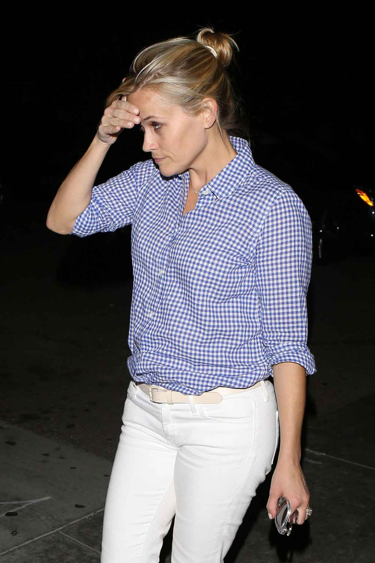 Reese Witherspoon - Outside Palm Restaurant in Beverly Hills, April 2015-2