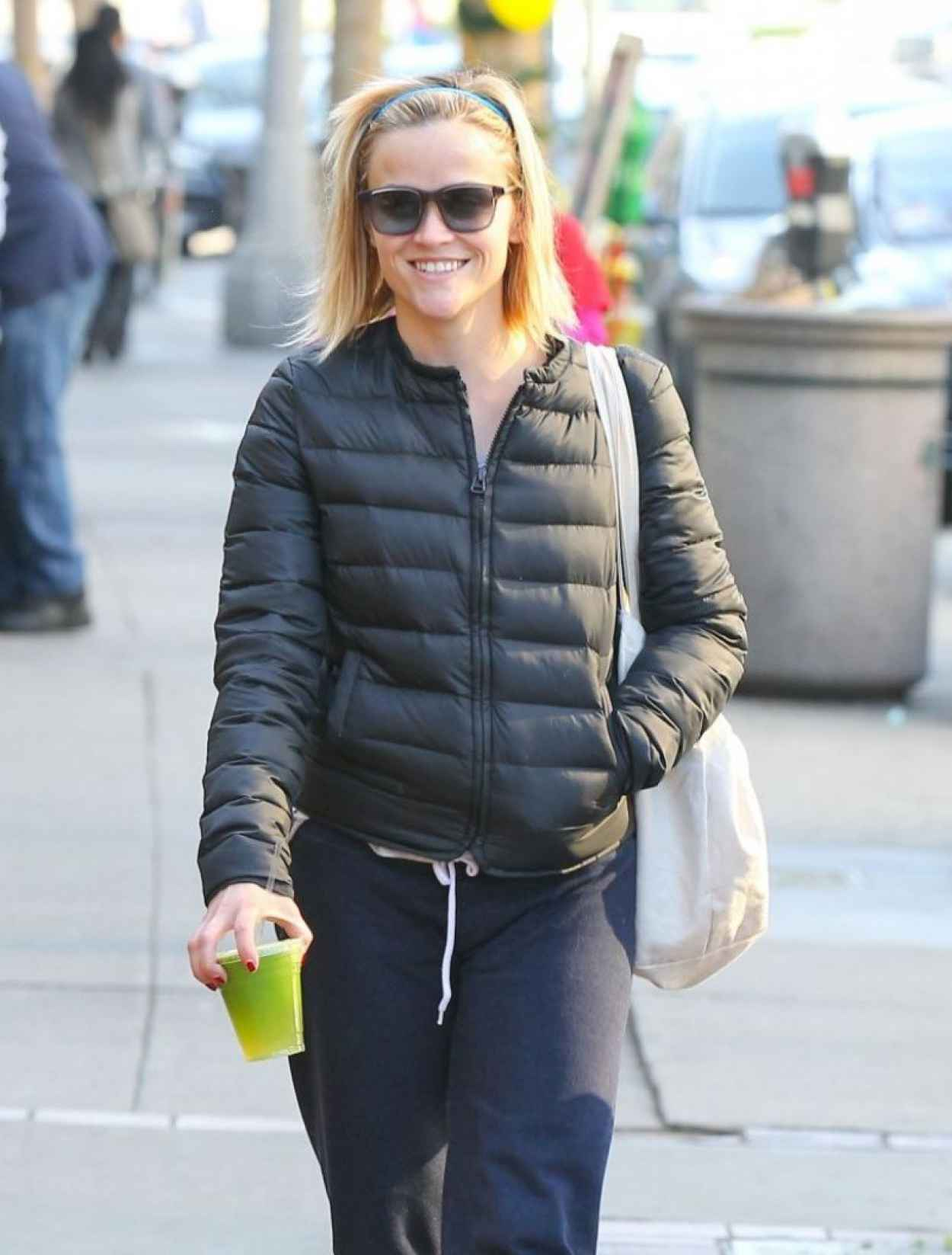 Reese Witherspoon Street Style - out in Brentwood - December 2015-1