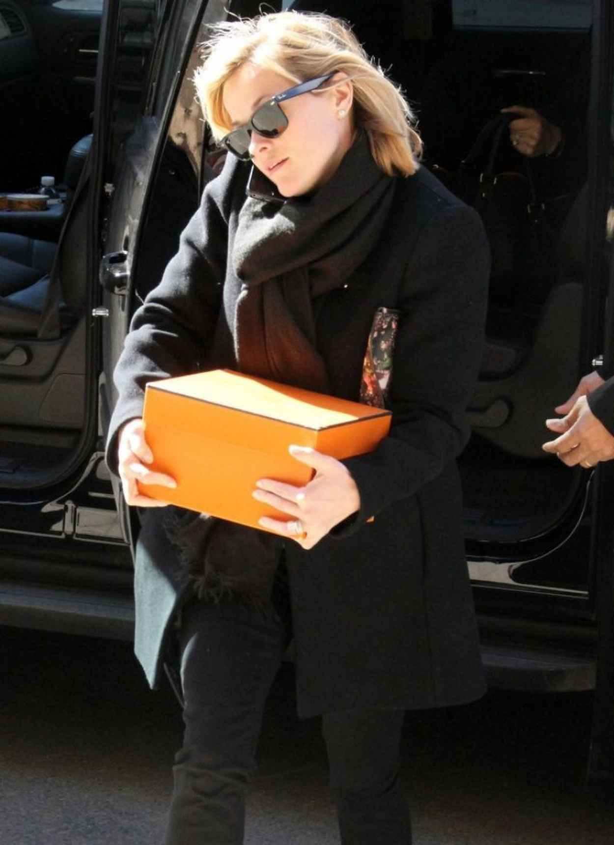 Reese Witherspoon Street Style - Out in New York City - February 2015-1