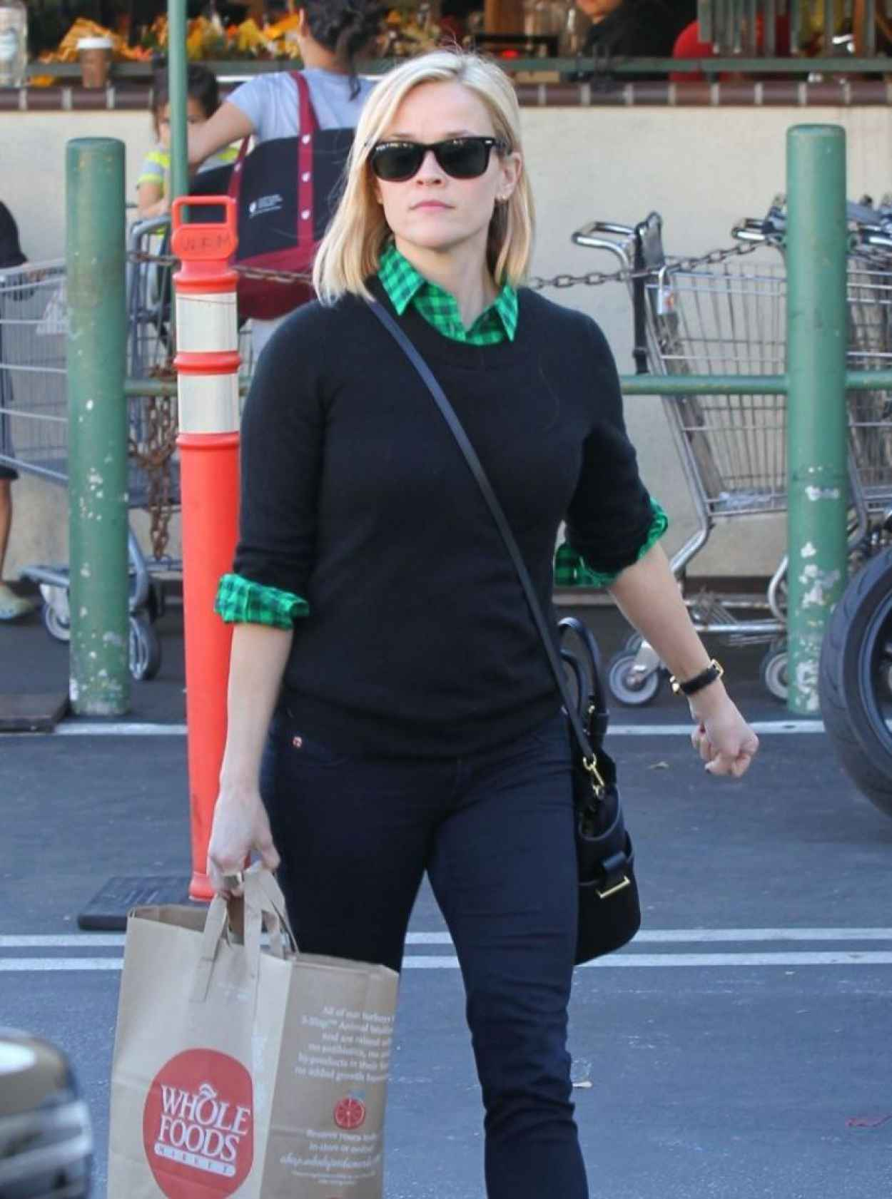 Reese Witherspoon Street Style - Whole Foods in Santa Monica-1