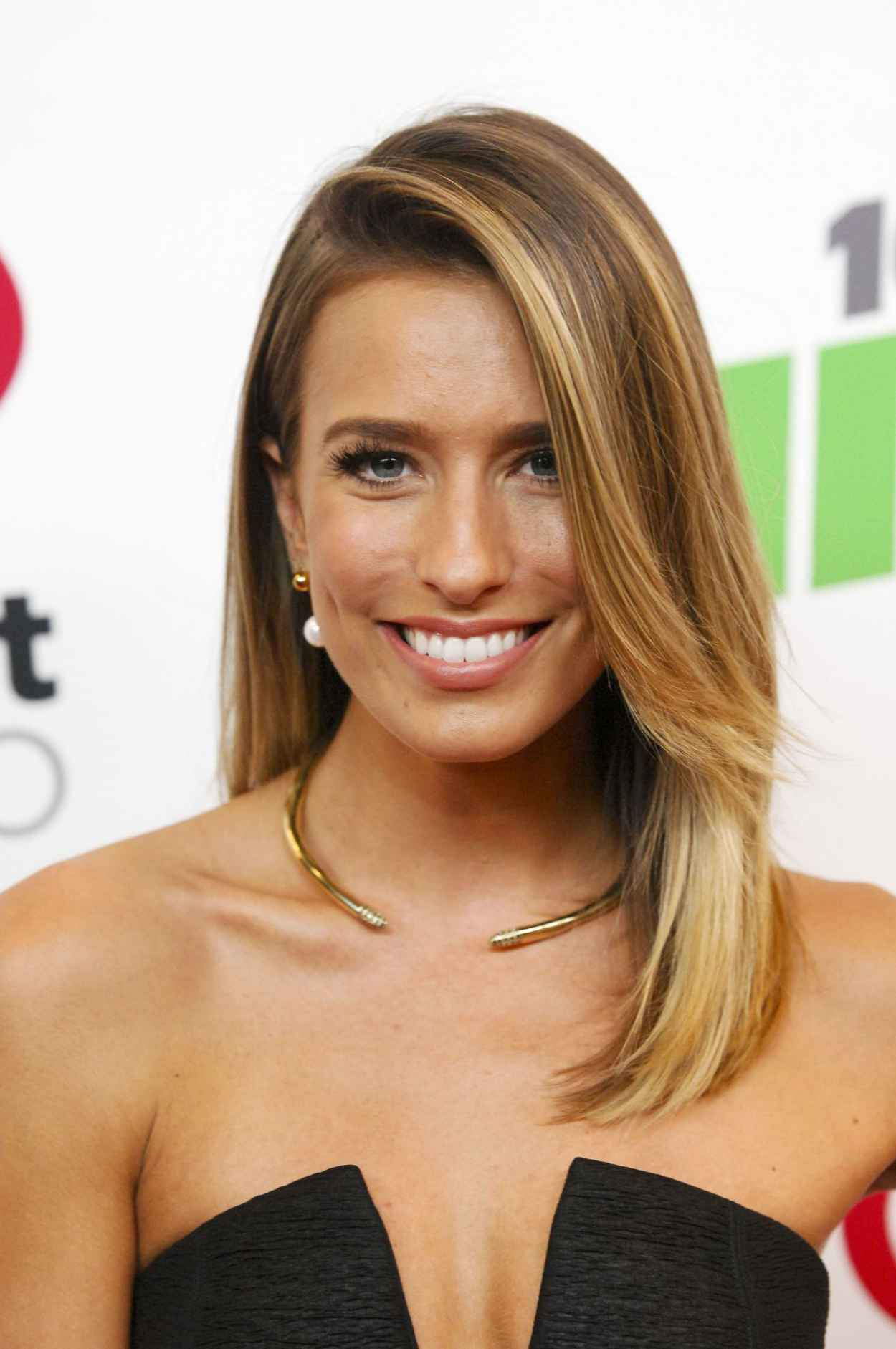 Renee Bargh - KIIS FMs Jingle Ball 2015 in Los Angeles-1