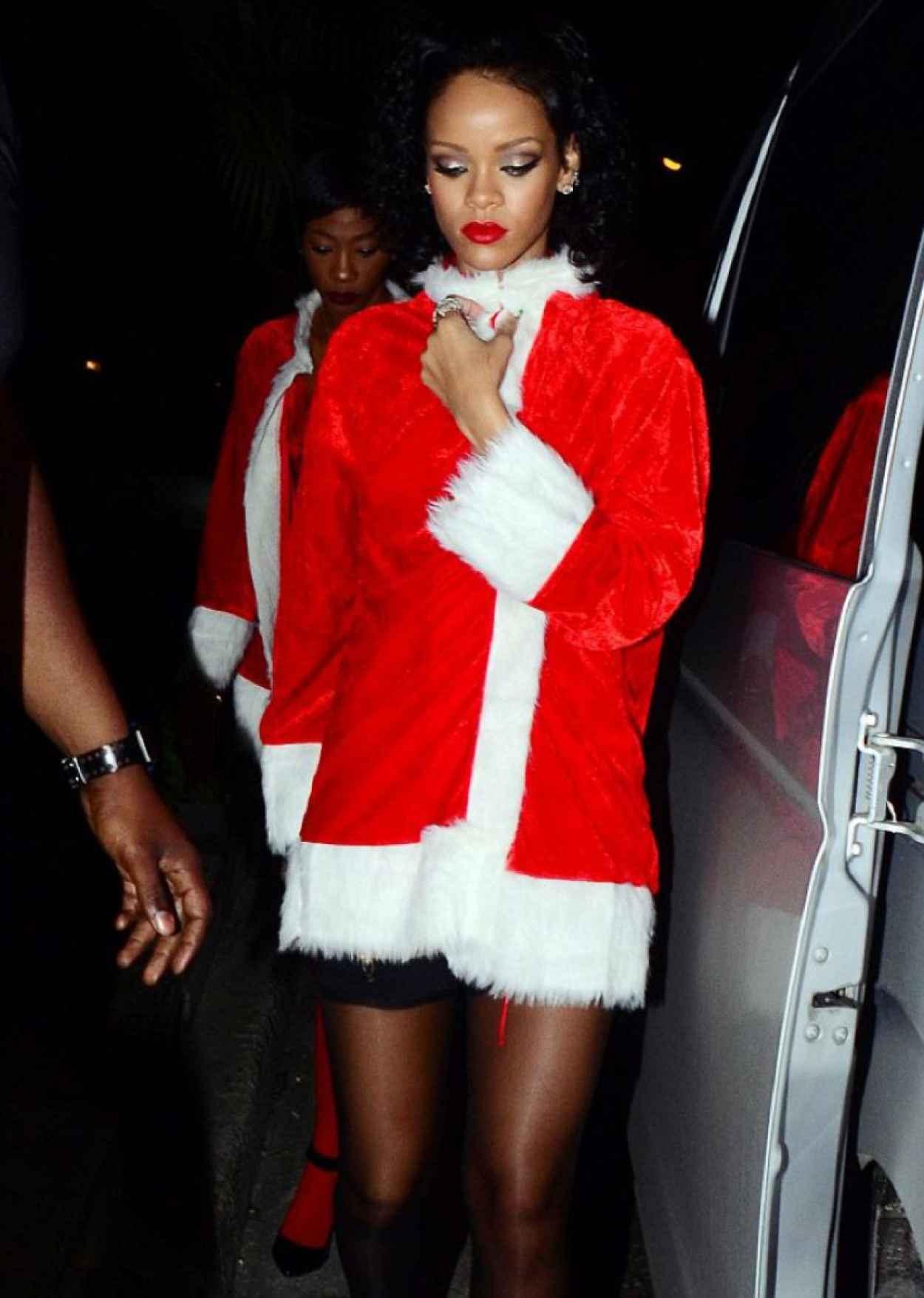 Rihanna - Priva Barbados Lounge and Night Club, Holetown, Barbados - December 2015-5