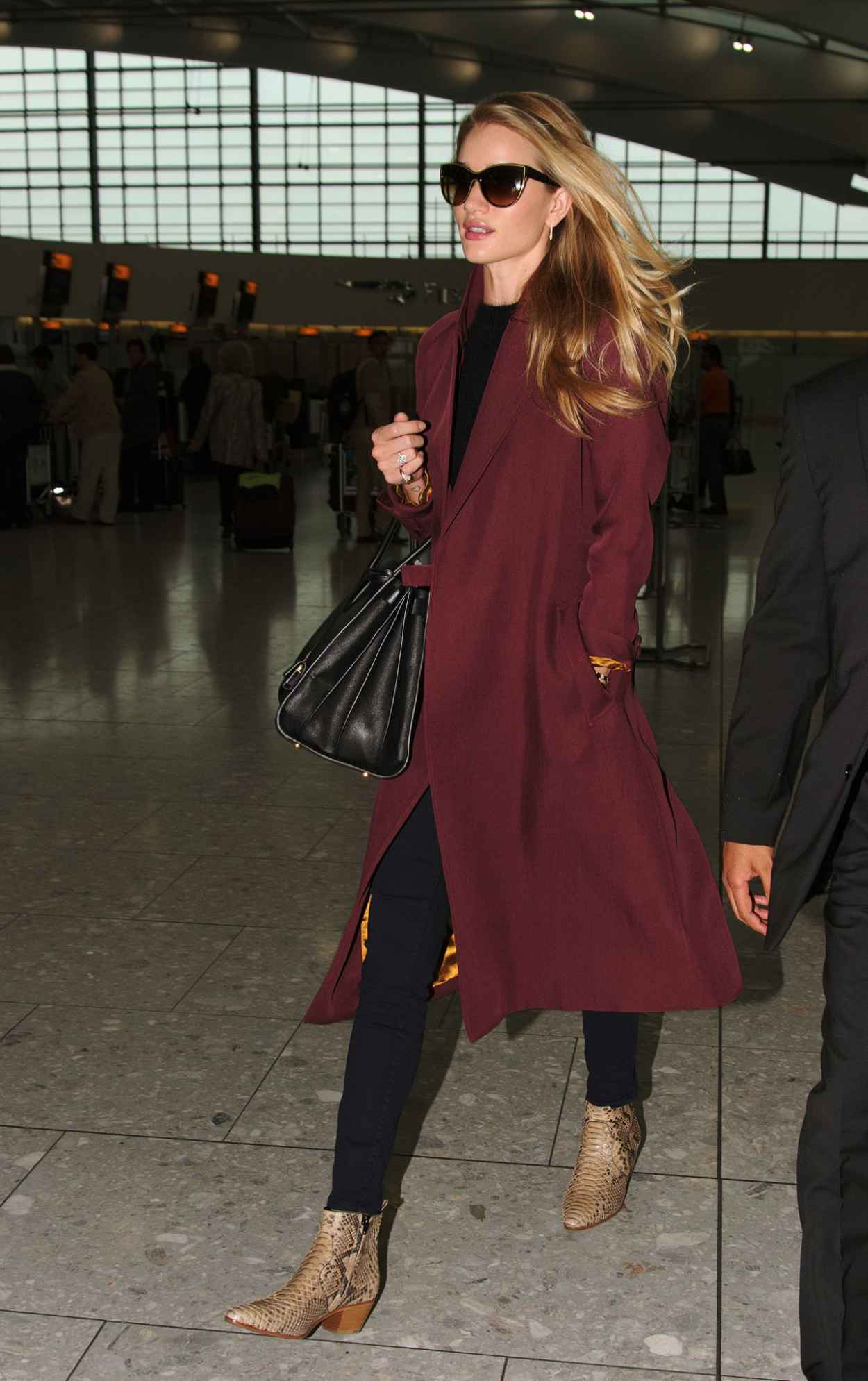 Rosie Huntington-Whiteley at Heathrow Airport in London - May 2015-4