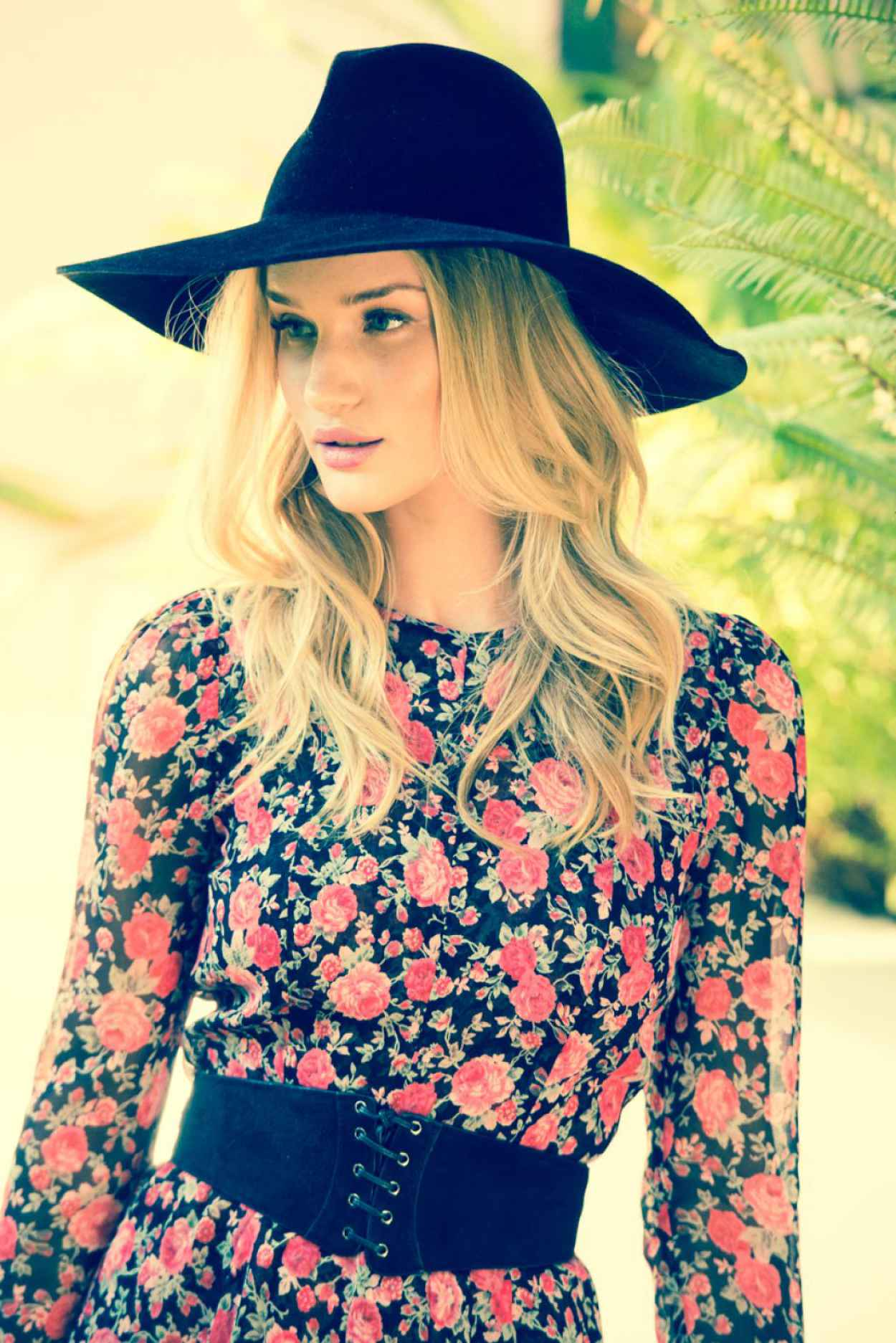 Rosie Huntington-Whiteley - Coveteur Photoshoot 2015-1