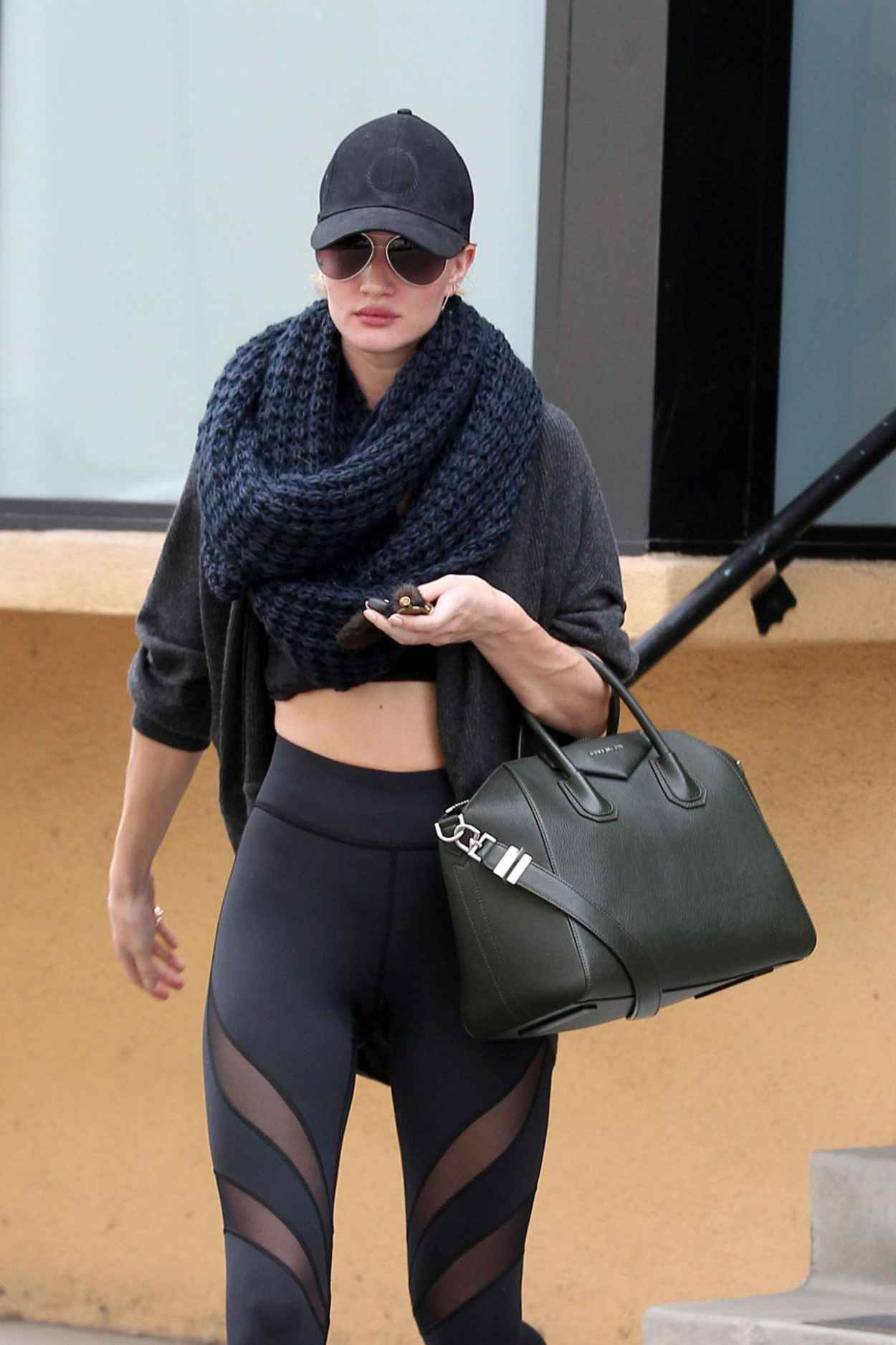 Rosie Huntington-Whiteley Gym Style - Leaving the Gym in Studio City - November 2015-1