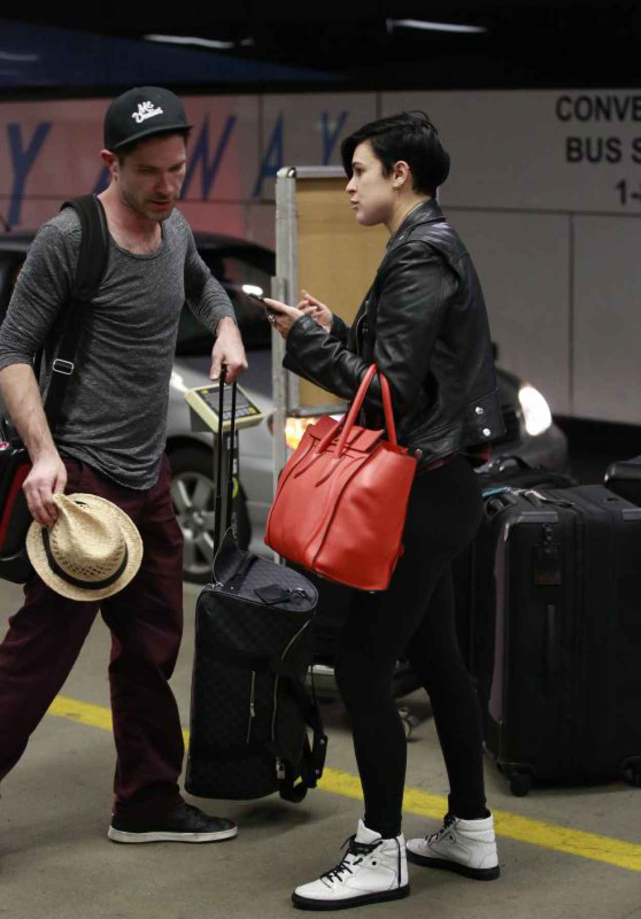 Rumer Willis Airport Style - at LAX, July 2015-1