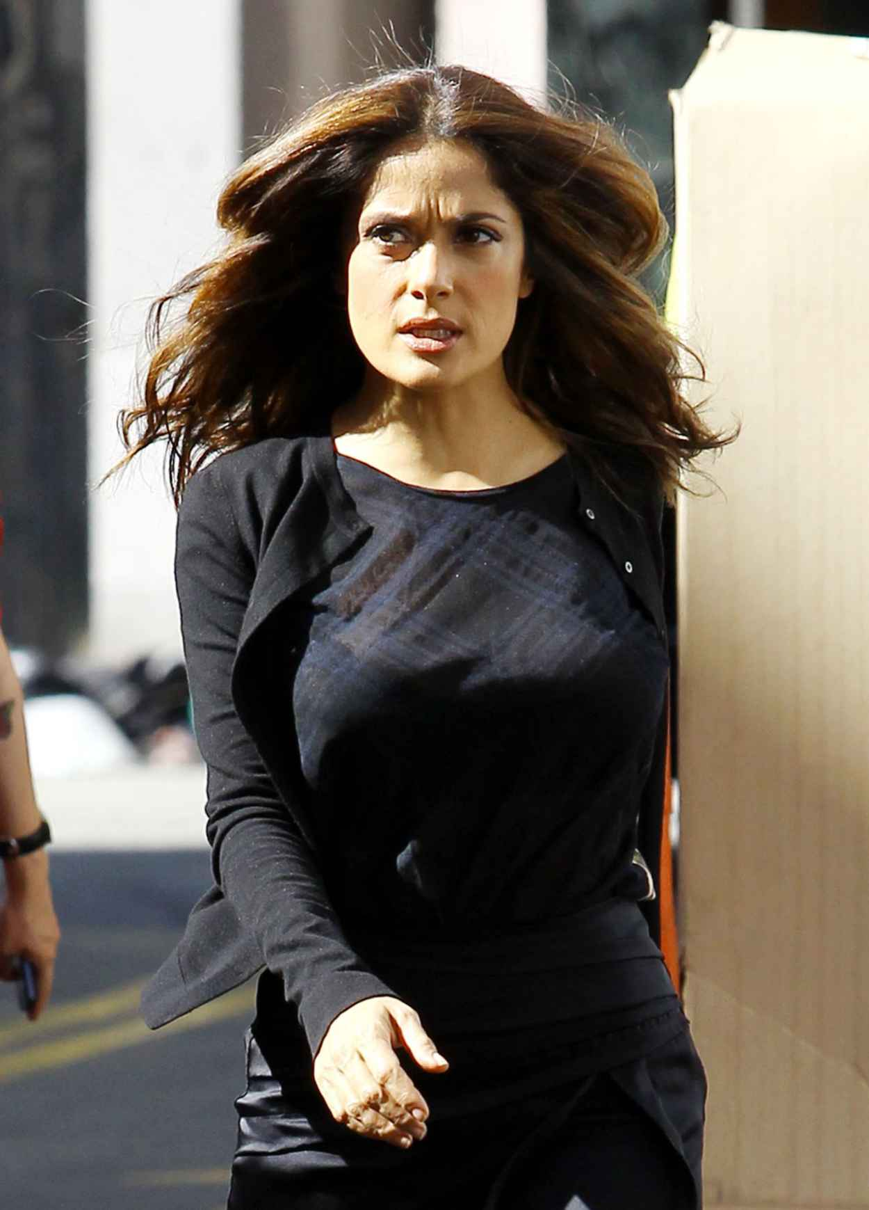 Salma Hayek on set of HOW TO MAKE LOVE LIKE AN ENGLISHMAN in Los Angeles-1