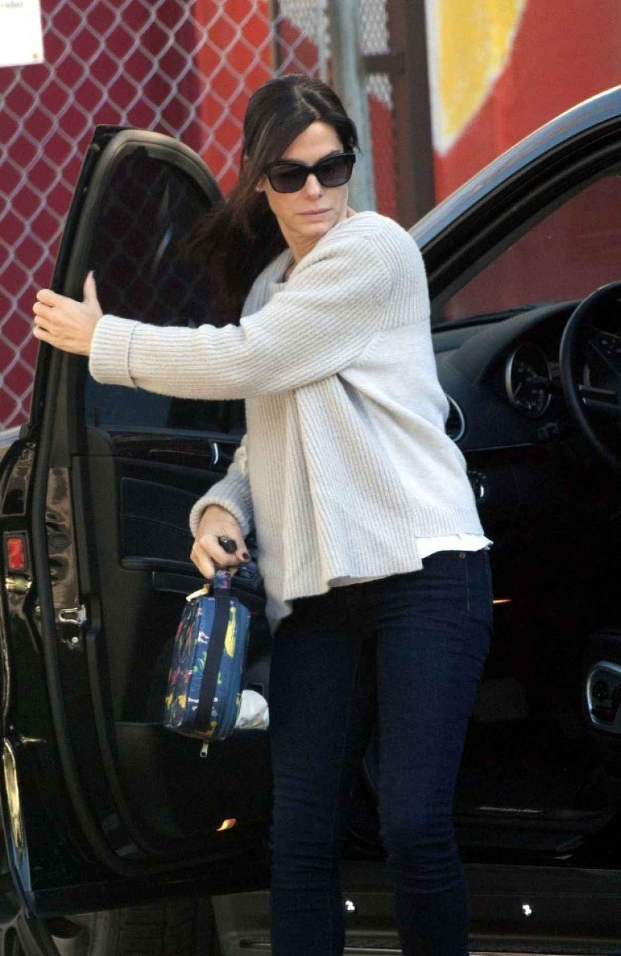 Sandra Bullock Street Style - Out in Los Angeles, February 2015-1