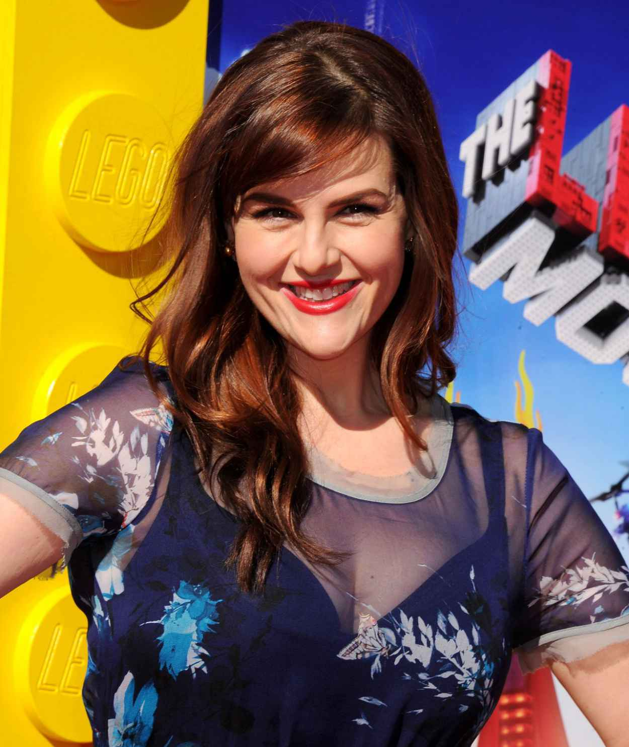 Sara Rue on Red Carpet - THE LEGO MOVIE Premiere in Los Angeles-1