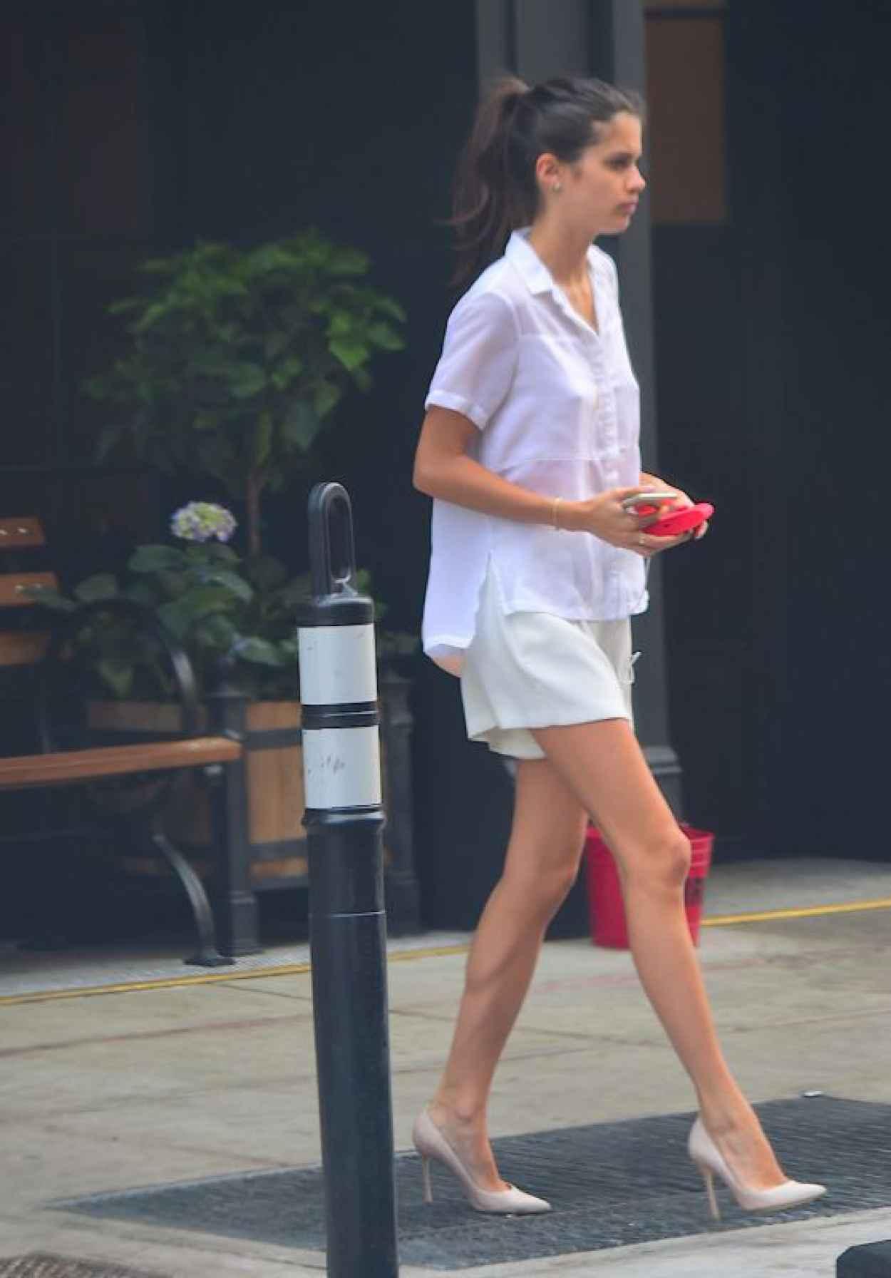 Sara Sampaio - Leaving Her Hotel in NYC, June 2015-1