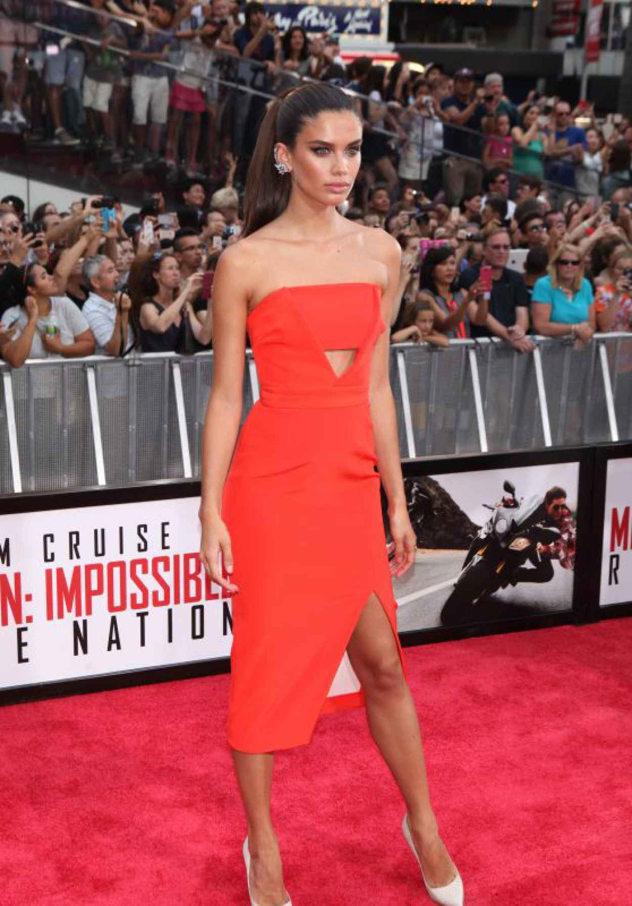 Sara Sampaio - Mission Impossible: Rogue Nation Premiere in New York City-1