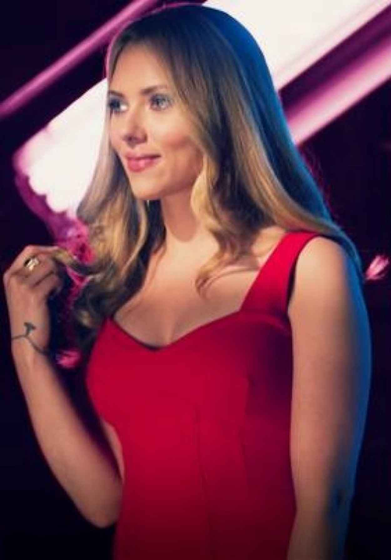 Scarlett Johansson - DON JON Movie Promo Stills-3