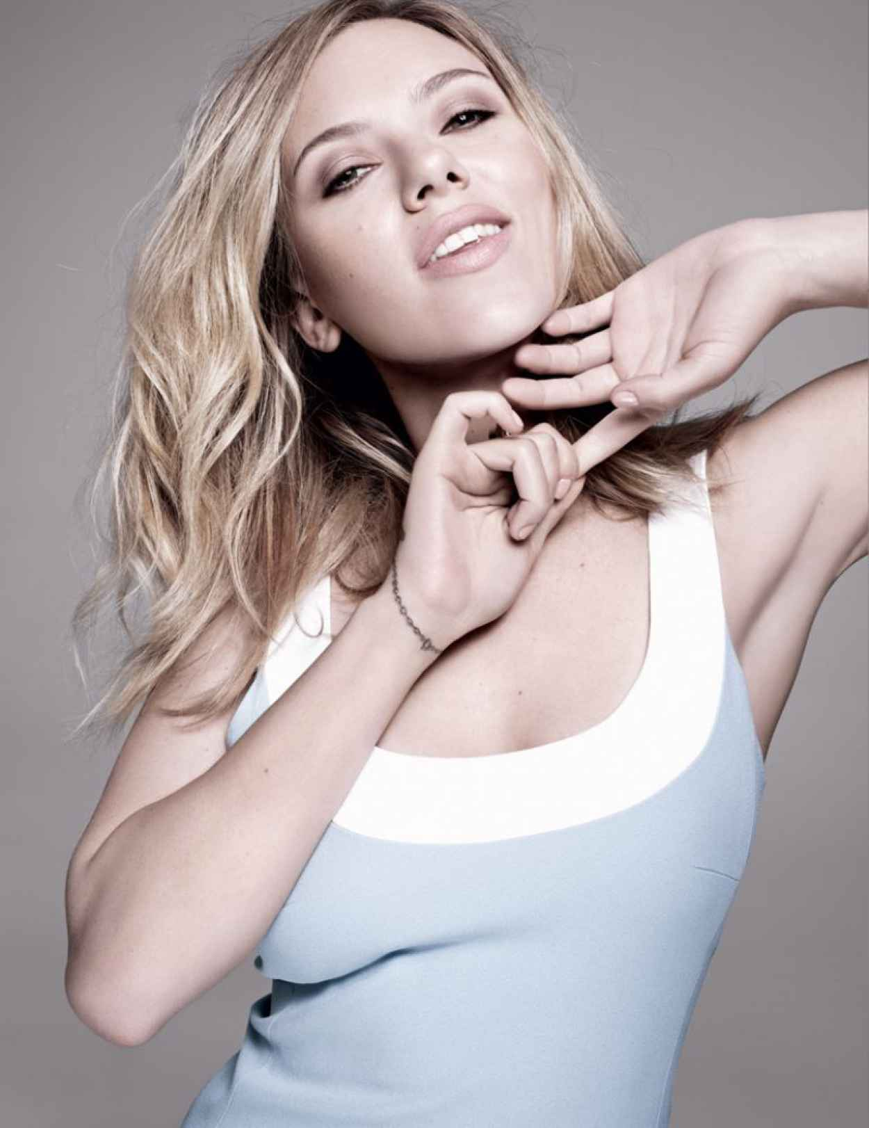 Scarlett Johansson - ELLE Magazine (Spain) - April 2015 Issue-1