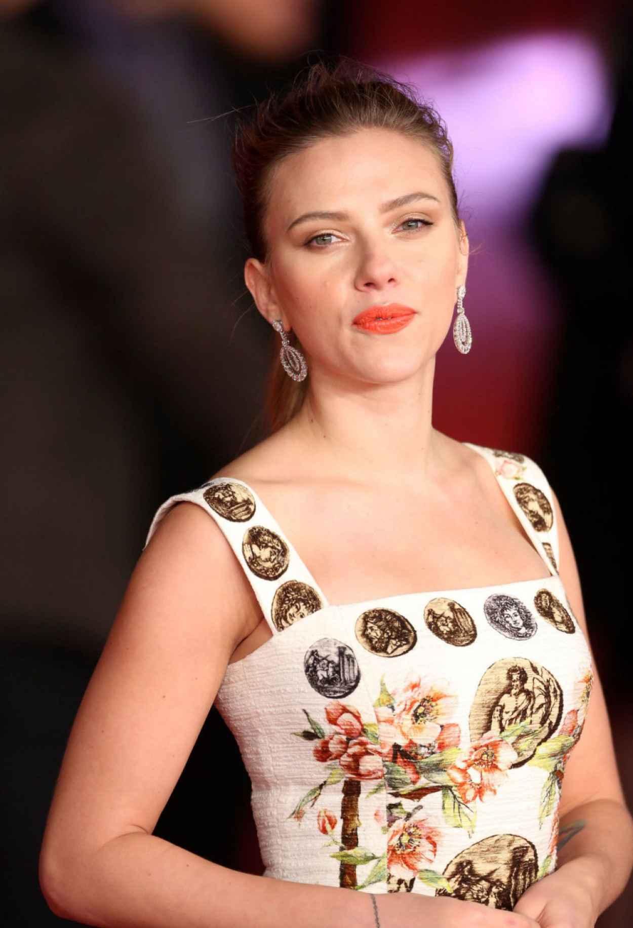 Scarlett Johansson Red Carpet Photos - HER Movie Premiere in Rome-1