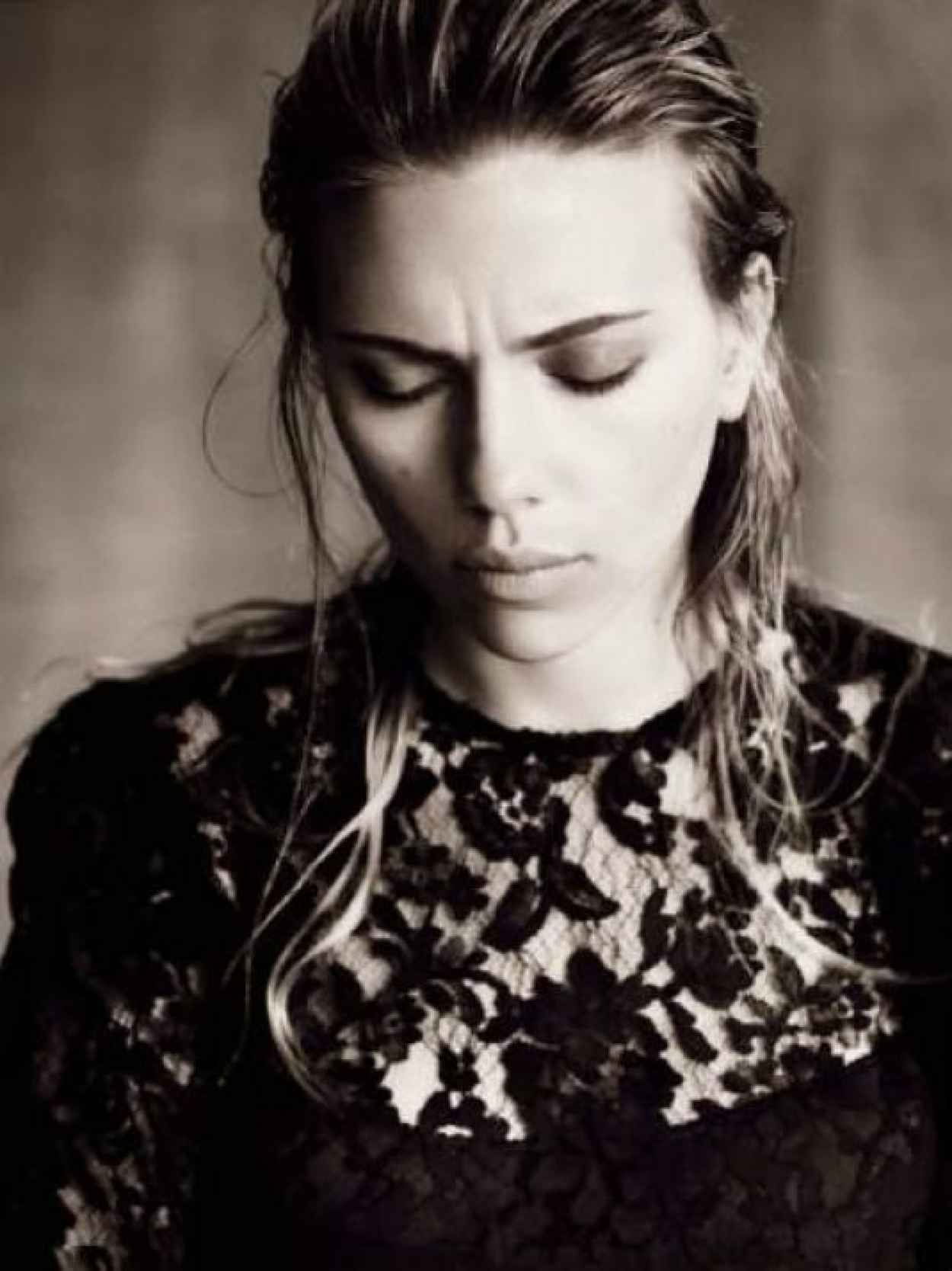 Scarlett Johansson Photoshoot for Vogue Italia October 2015-1