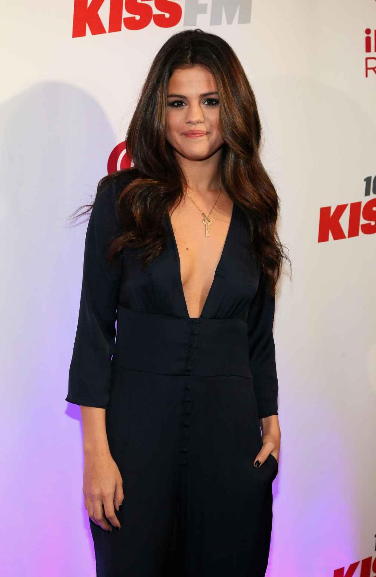 Selena Gomez Attends 106.1 KISS FMs Jingle Ball in Dallas - December 2015-1